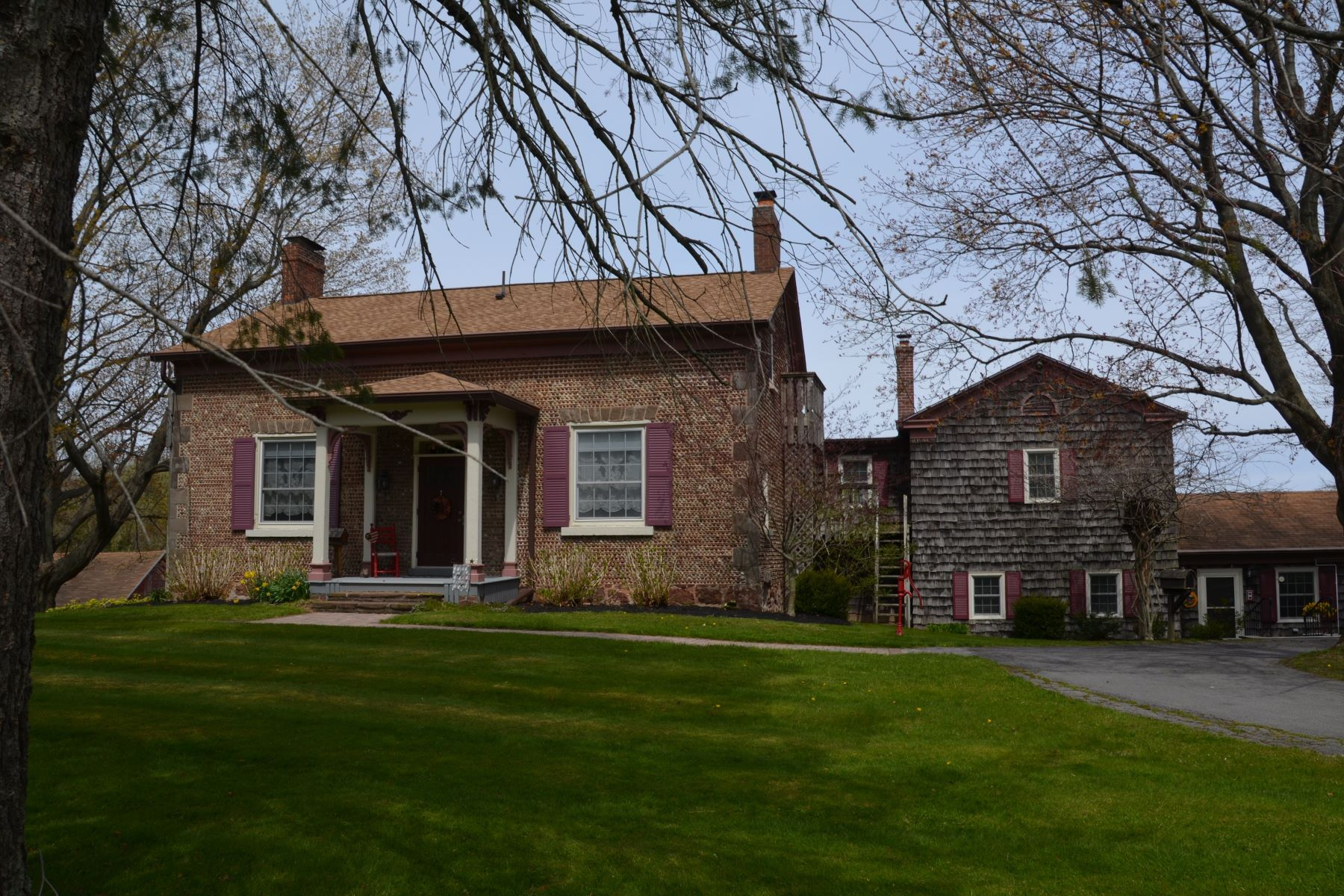 Single Family Homes for Active at Historic Cobblestone Farmhouse 7563 Lake Road Sodus, New York 14551 United States