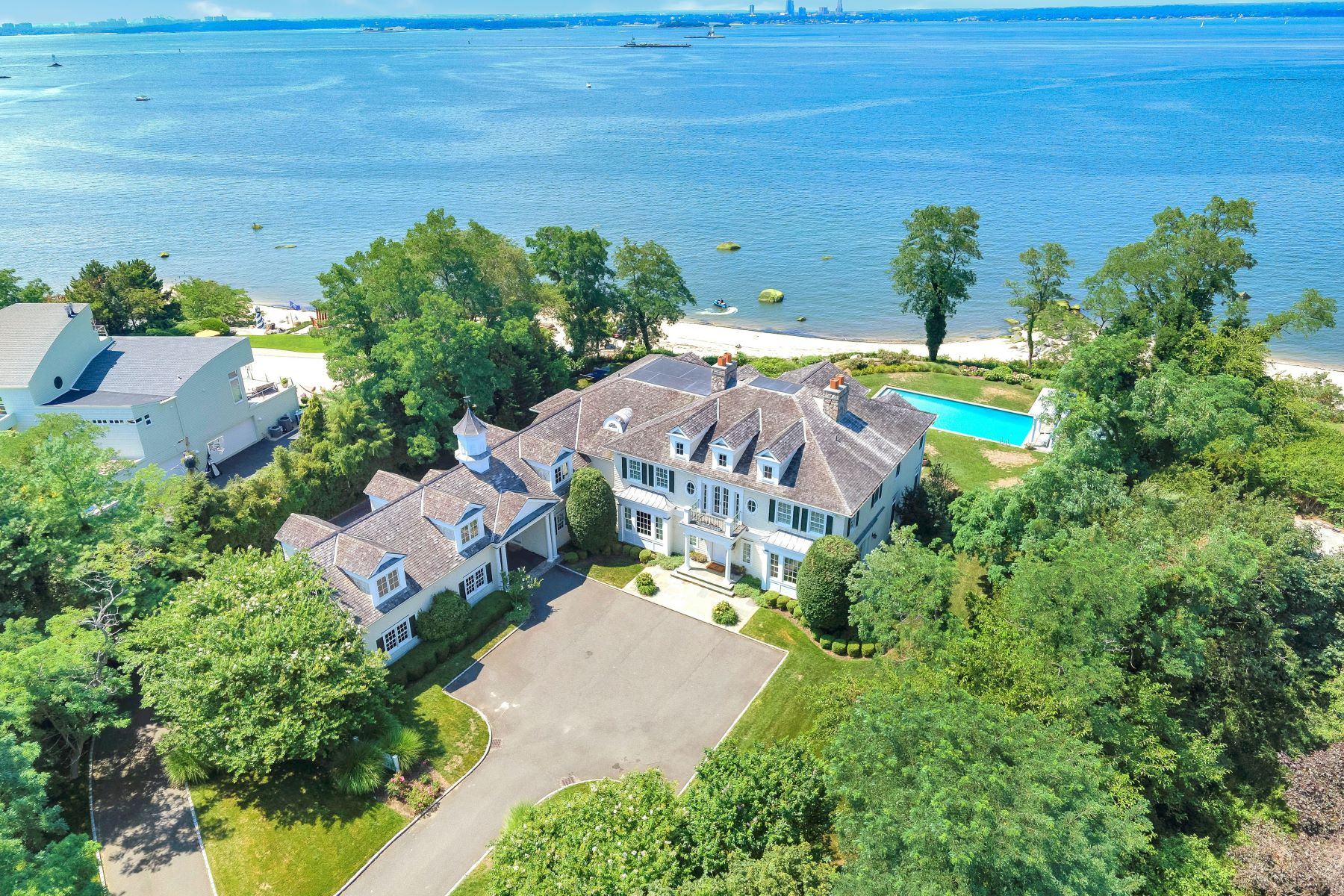 Single Family Homes 為 出售 在 26 Hoffstot Lane, Sands Point, Ny, 11050 Sands Point, 纽约 11050 美國