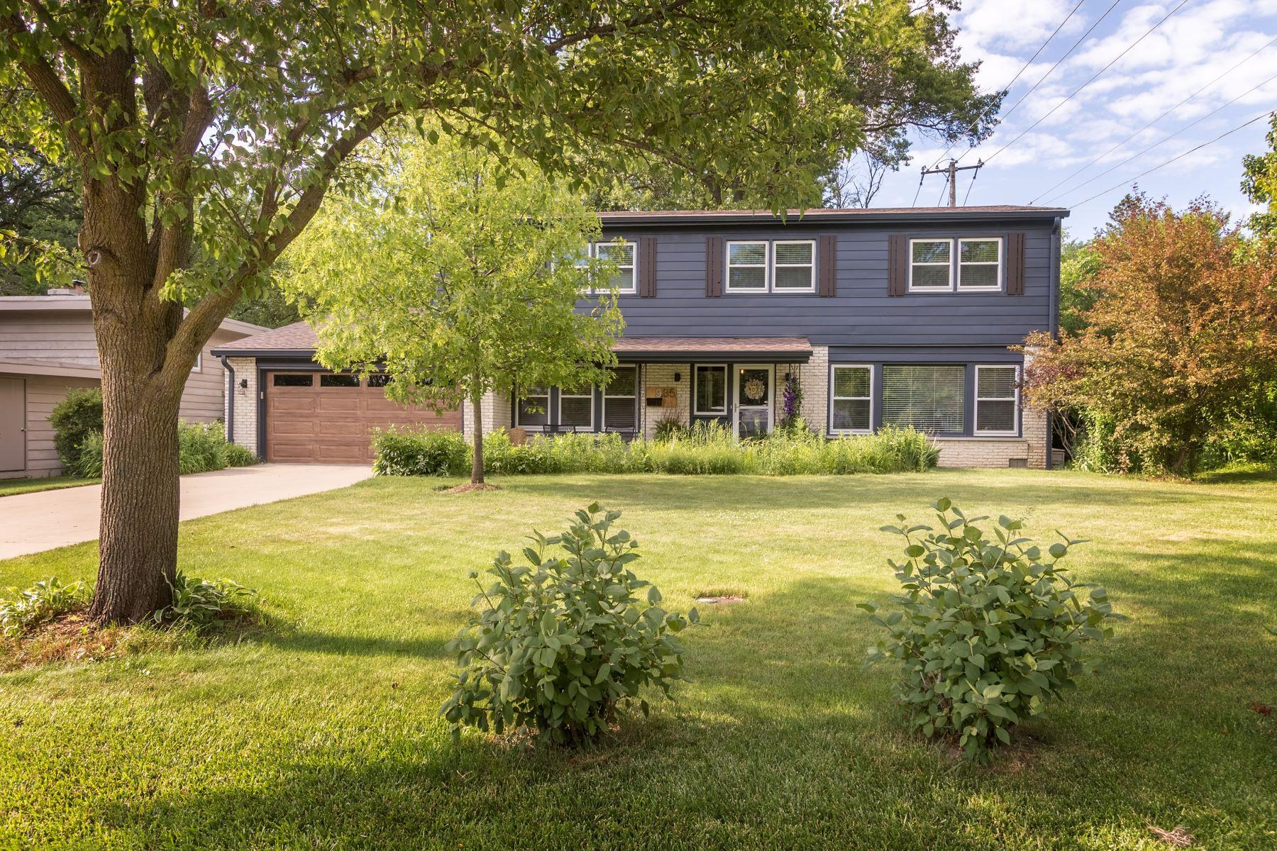 Single Family Homes para Venda às Spectacular Highland Park Home 935 Auburn Avenue, Highland Park, Illinois 60035 Estados Unidos