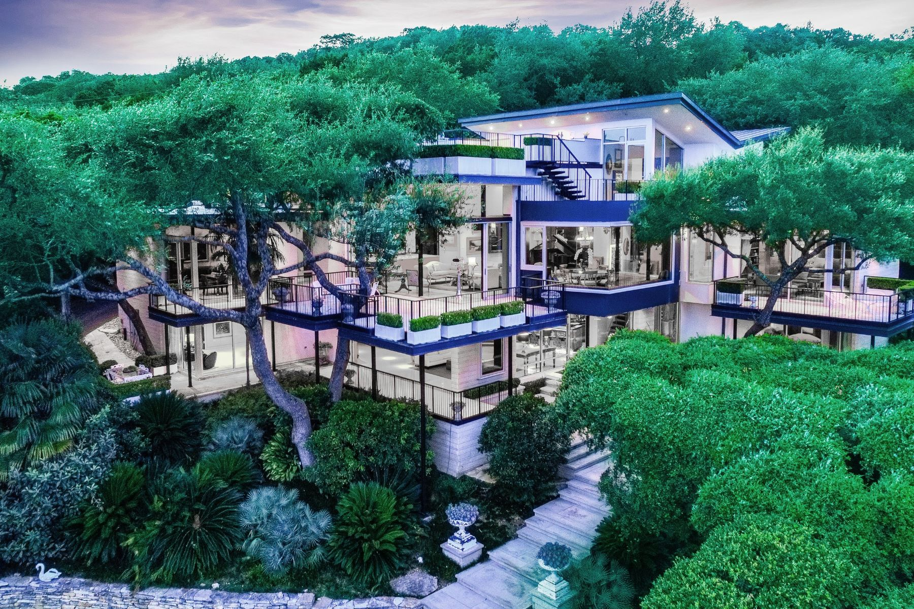 Maison unifamiliale pour l Vente à Thoughtfully Designed Westlake Contemporary 1404 Wild Cat Hollow, Austin, Texas, 78746 États-Unis