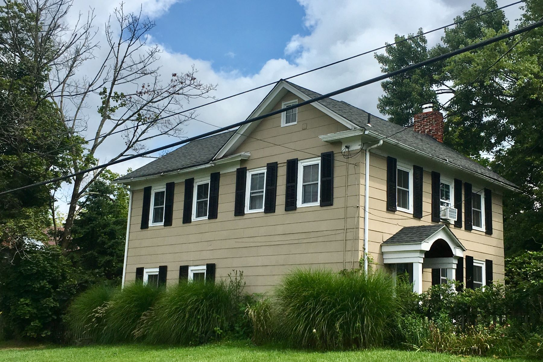Single Family Homes for Sale at Pride Of Ownership Shows In This Delightful Home 1046 County Road 519 Frenchtown, New Jersey 08825 United States