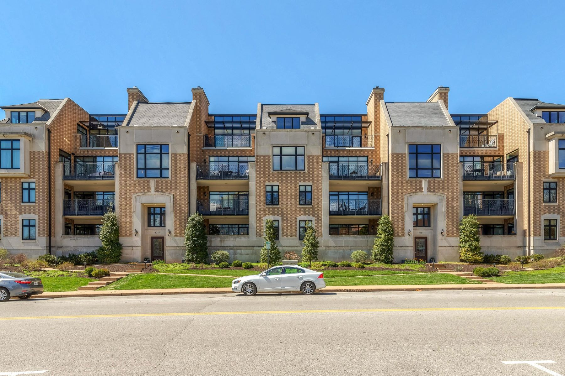 Property for Sale at Clayton Park Place Condo 8251 Parkside Drive Unit 1C Clayton, Missouri 63105 United States