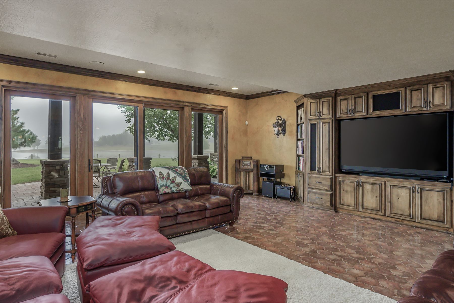 Additional photo for property listing at Country Shores Nature Estate 17715 Barth Avenue Salisbury, Missouri 65281 United States