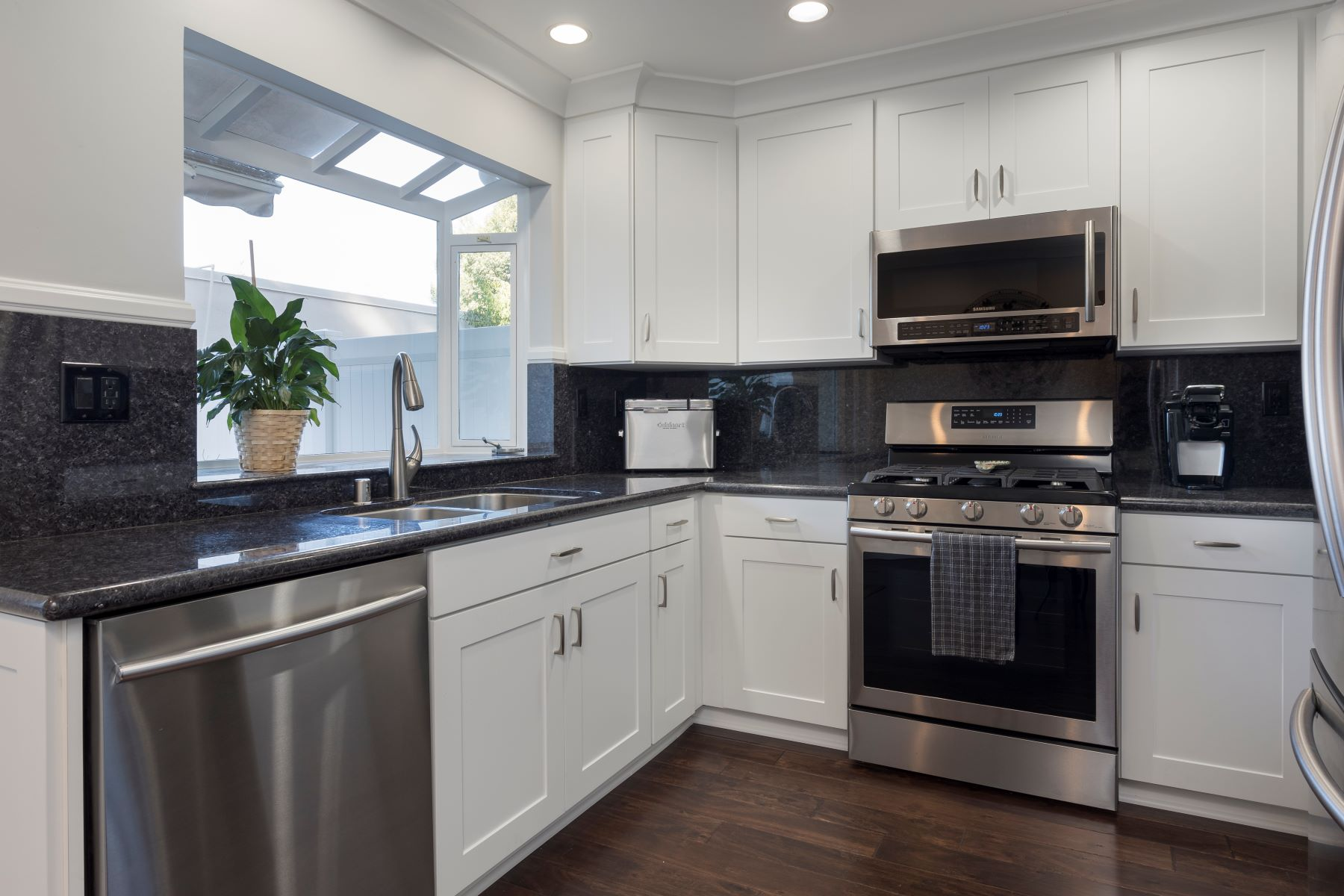 townhouses for Sale at 28554 Bearhaven Court, Rancho Palos Verdes, CA 90275 28554 Bearhaven Court Rancho Palos Verdes, California 90275 United States
