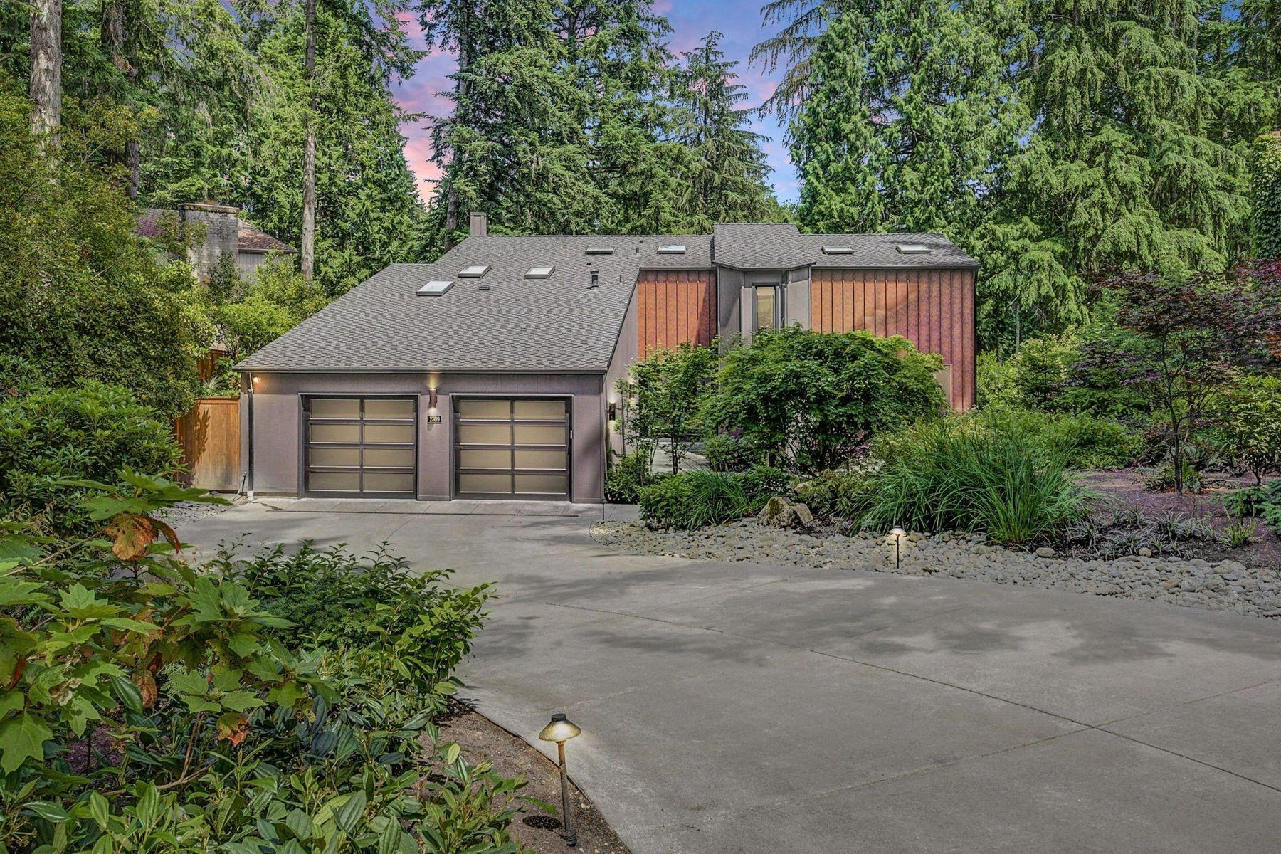 Single Family Homes για την Πώληση στο 2309 Sahalee Drive East, Sammamish, WA 98074 2309 Sahalee Dr E, Sammamish, Ουασινγκτον 98074 Ηνωμένες Πολιτείες