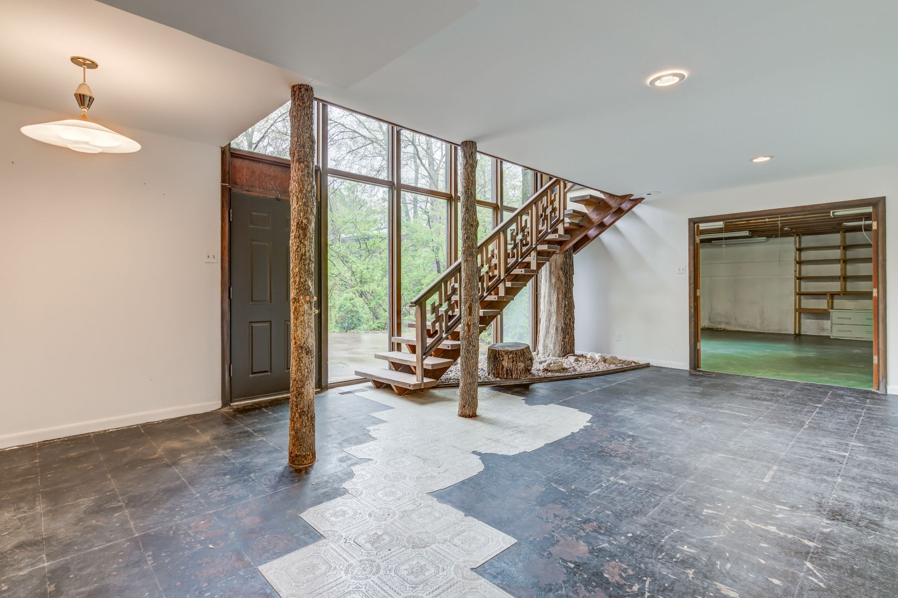 Additional photo for property listing at Contemporary Ladue Home Designed by Warren Jones 8 Sumac Lane Ladue, Missouri 63124 United States
