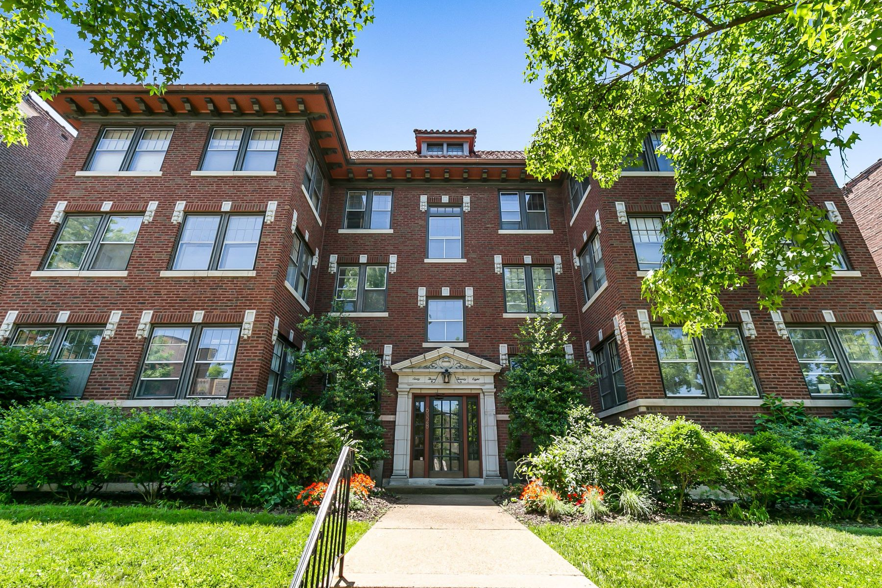 Other Residential Homes for Sale at A minimalistic modern masterpiece in Clayton! 6328 Northwood Avenue #2W Clayton, Missouri 63105 United States