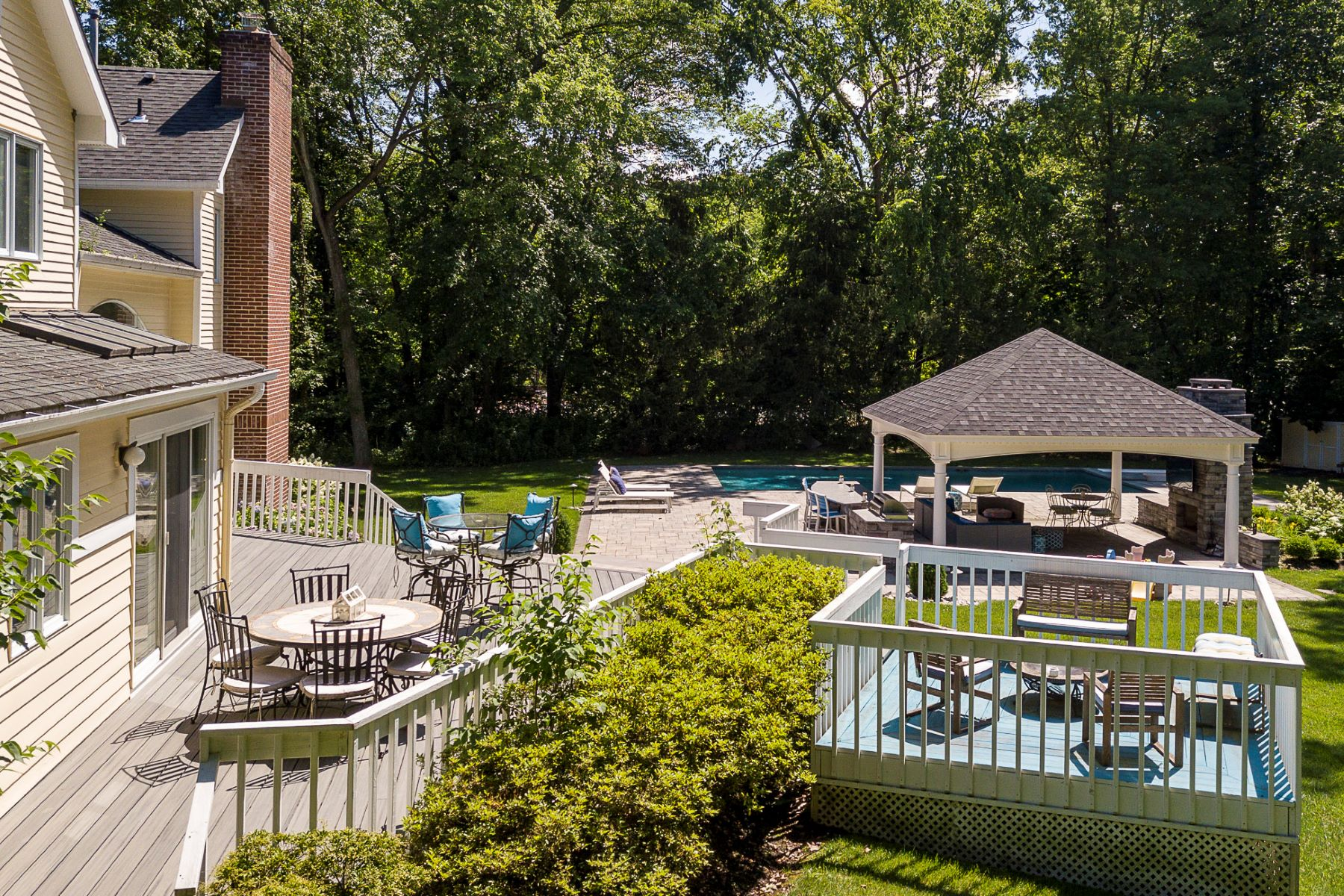 Additional photo for property listing at A Backyard Worthy of the Finest Resorts 7 Benedek Road, Princeton, New Jersey 08540 United States