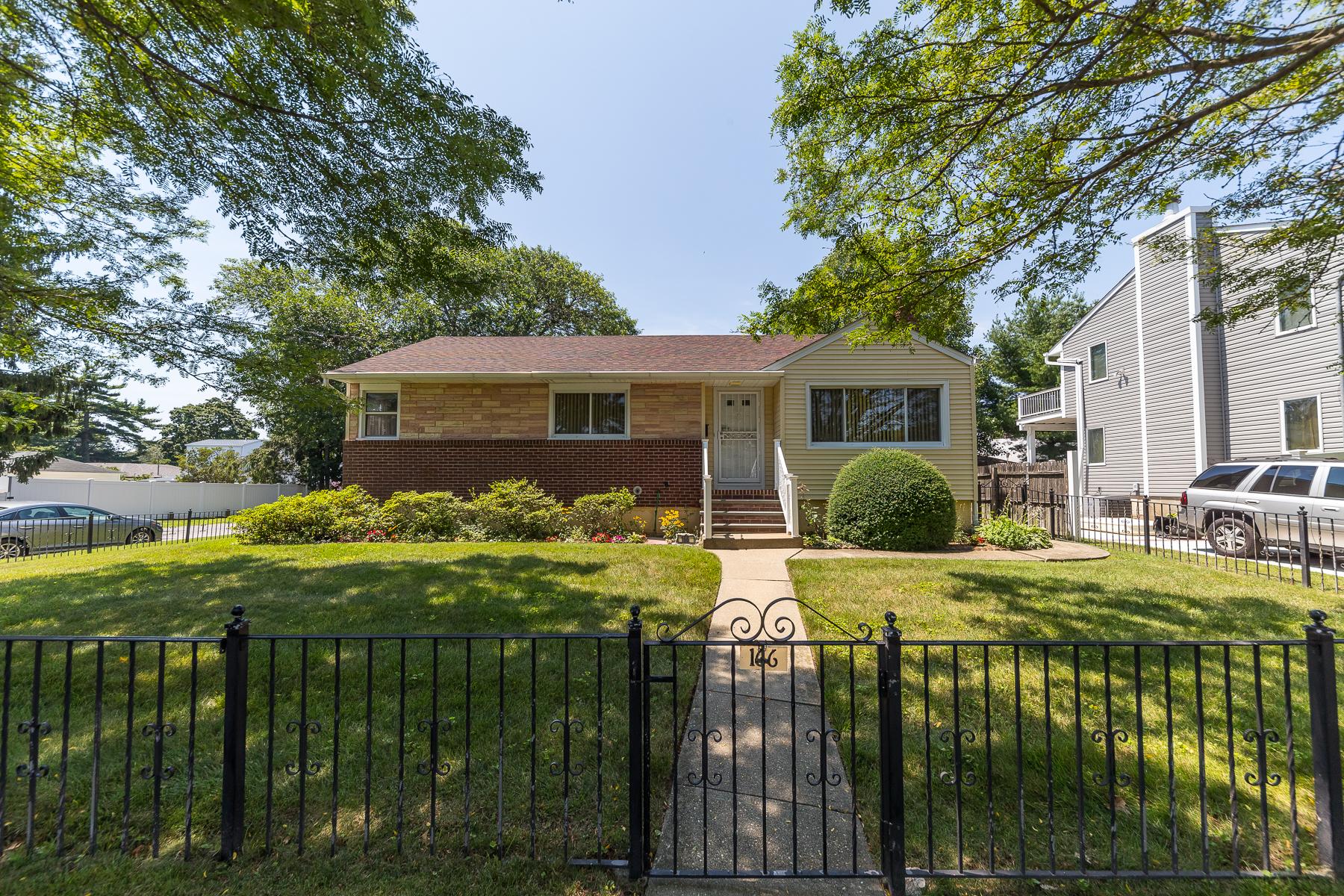 Single Family Homes 為 出售 在 166 Madison Avenue, Freeport, Ny, 11520 Freeport, 纽约 11520 美國