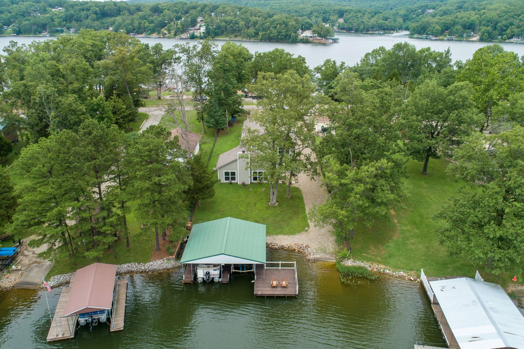 Additional photo for property listing at Lake House - Best Secret You've Never Heard of 6638 Robin Lane French Village, Missouri 63036 United States
