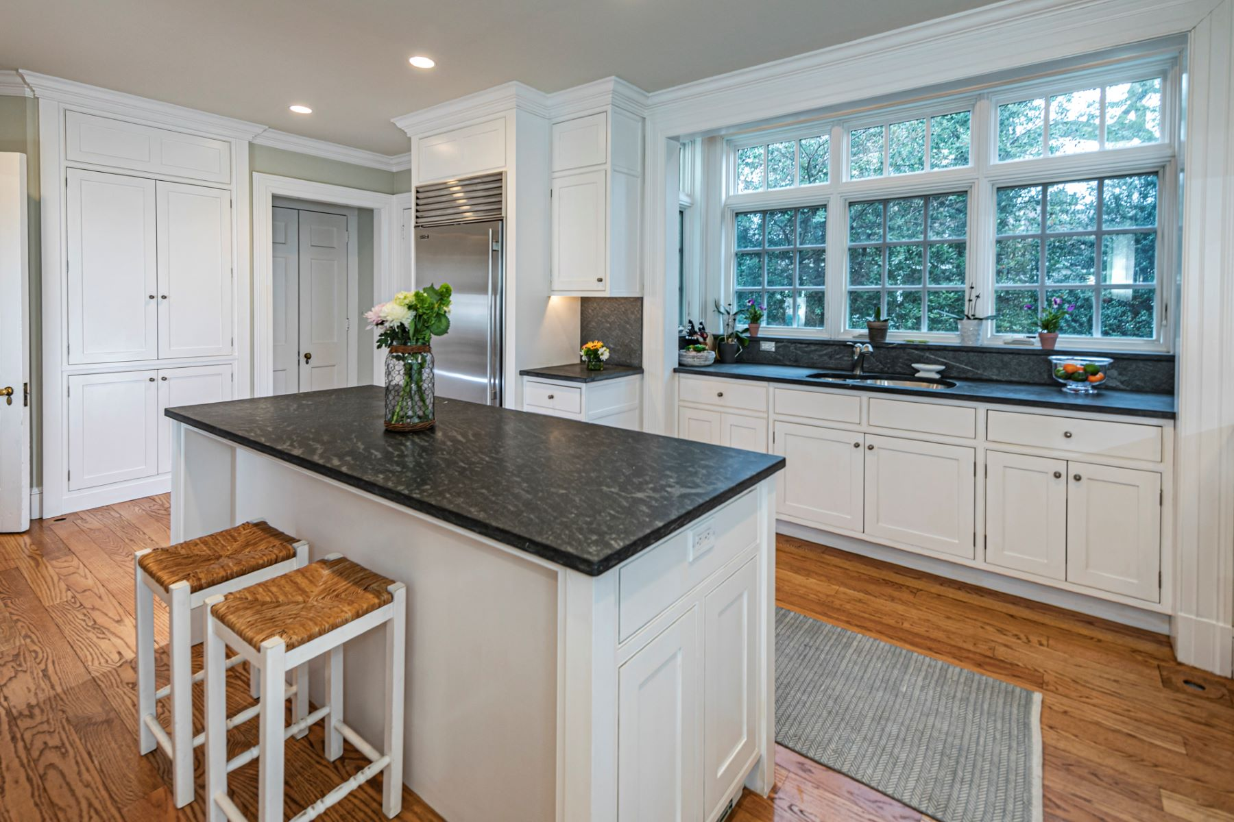 Additional photo for property listing at A Western Section Stunner 130 Library Place, Princeton, Nueva Jersey 08540 Estados Unidos