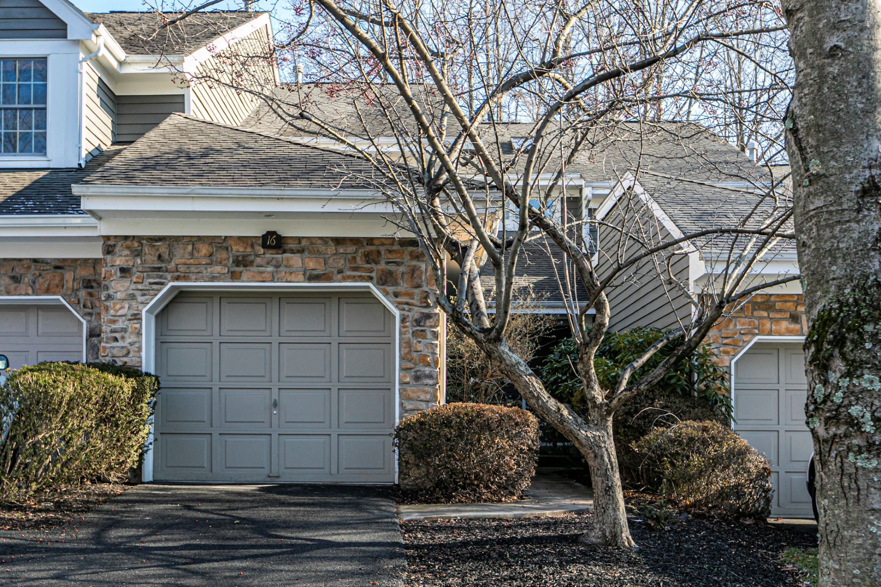A Value In Upscale Princeton Walk 16 Coriander Drive, Princeton, New Jersey 08540 États-Unis