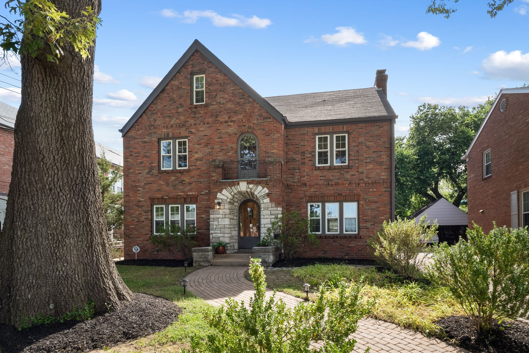 Single Family Homes for Sale at Classic Clayton Home 410 South Meramec Avenue Clayton, Missouri 63105 United States