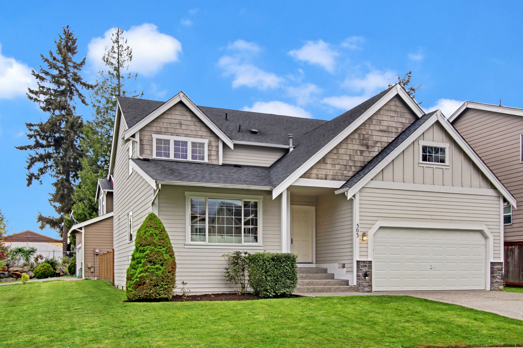 Single Family Homes 為 出售 在 503 Ilwaco Ave NE, Renton, WA 98805 Renton, 華盛頓州 98059 美國