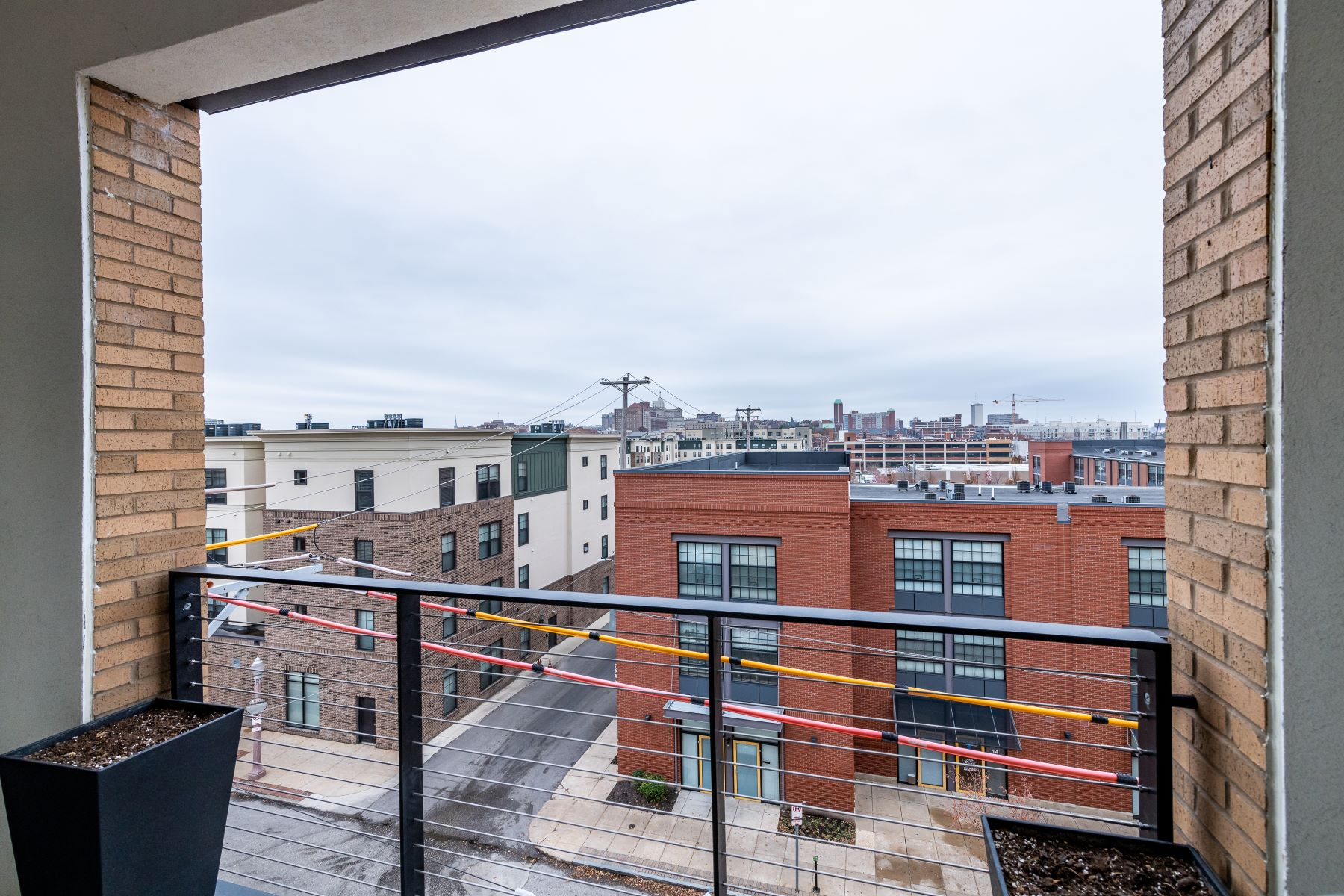 Additional photo for property listing at 4101 Laclede Condo 4101 Laclede Avenue #402 St. Louis, Missouri 63108 United States