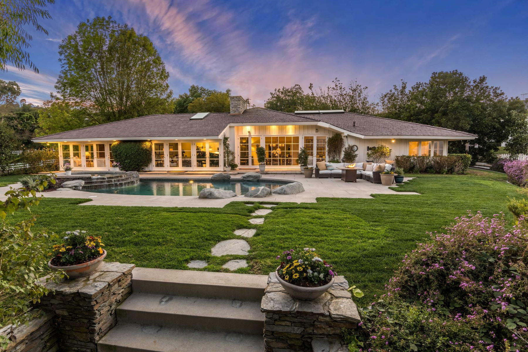 Single Family Homes for Active at 7 Chesterfield Road, Rolling Hills, CA 90274 7 Chesterfield Road Rolling Hills, California 90274 United States