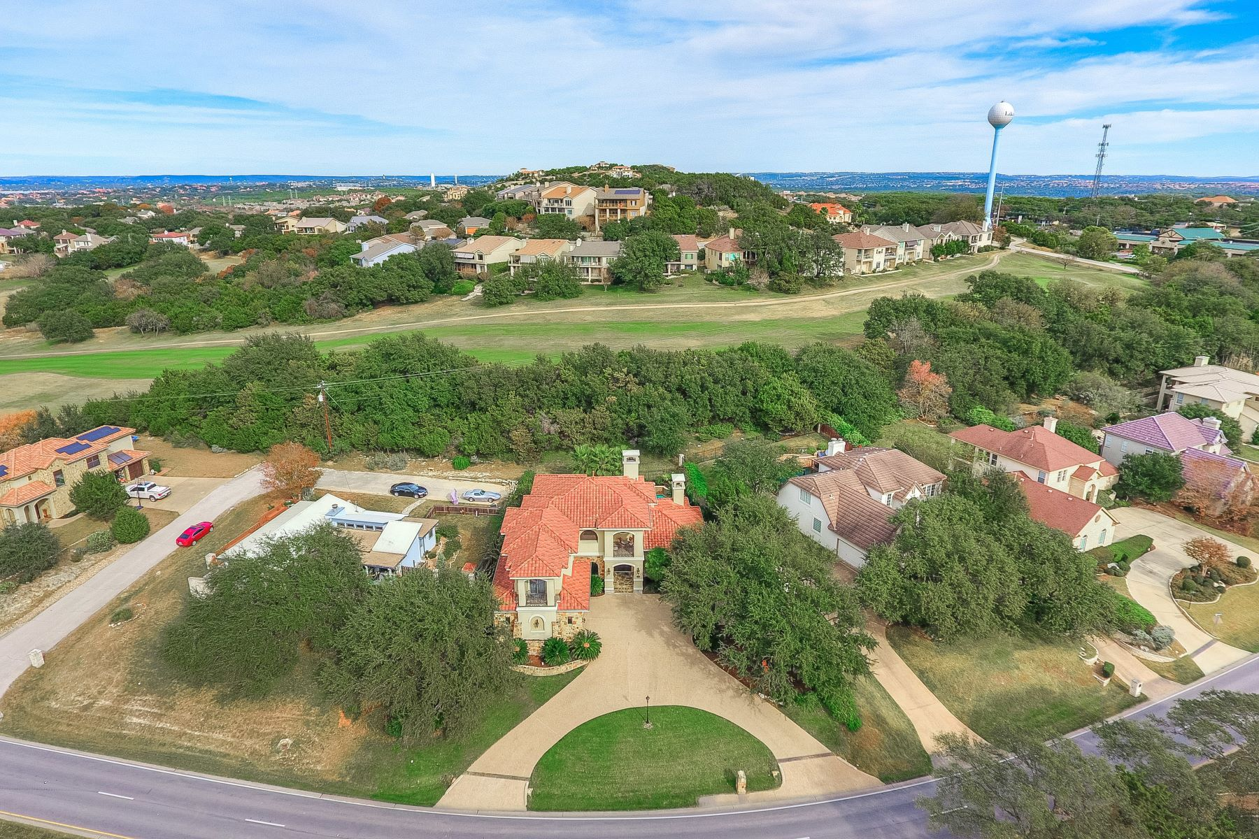 Additional photo for property listing at Immaculately Kept Lakeway Retreat 1610 Lakeway Boulevard Austin, Texas 78734 United States
