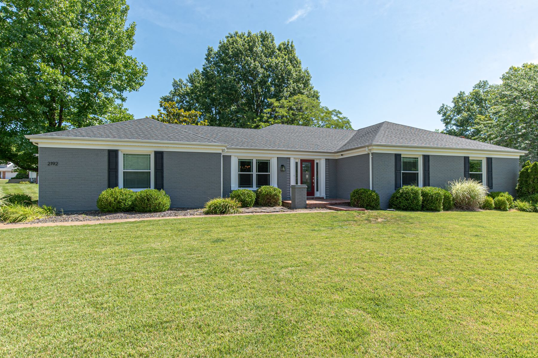 Single Family Homes for Sale at Attractive ranch home in Rockwood School District 2192 Willow Ridge Lane Chesterfield, Missouri 63017 United States