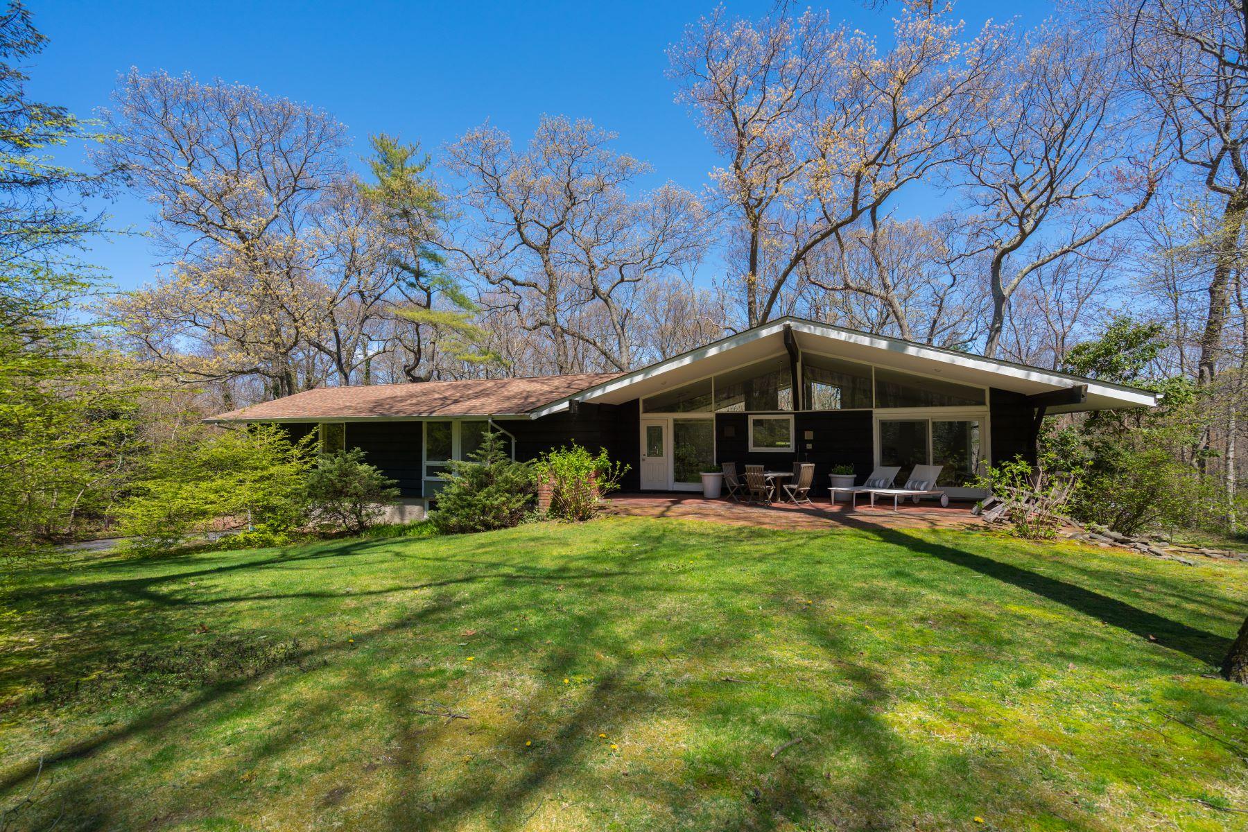 Single Family Homes 為 出售 在 Lloyd Neck 38 Fiddlers Green, Lloyd Neck, 纽约 11743 美國