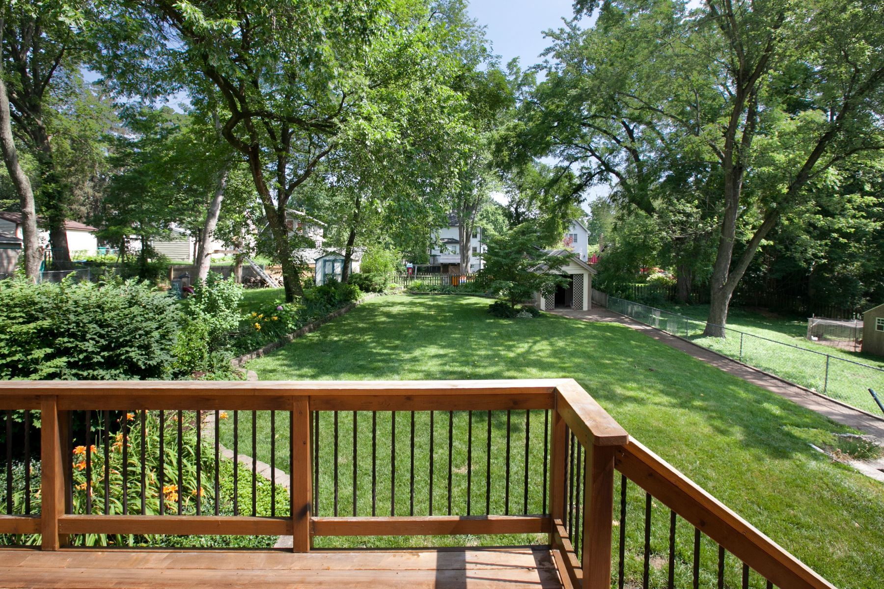 Additional photo for property listing at Generous Arts and Crafts Style House in the Heart of Sunny Webster Groves 433 Newport Avenue Webster Groves, Missouri 63119 United States