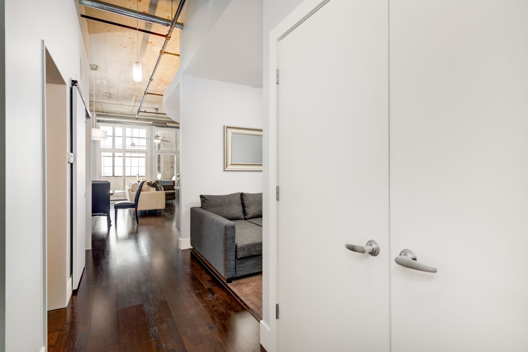 Additional photo for property listing at West End Lofts #322 4100 Forest Park Avenue #322 St. Louis, Missouri 63108 United States