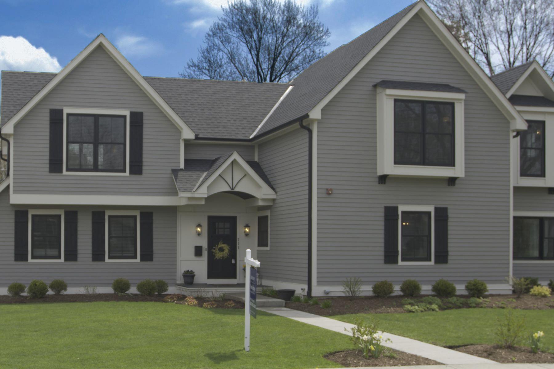 Single Family Homes για την Πώληση στο Quintessential Farmhouse 711 Prairie Avenue Barrington, Ιλινοϊσ 60010 Ηνωμένες Πολιτείες
