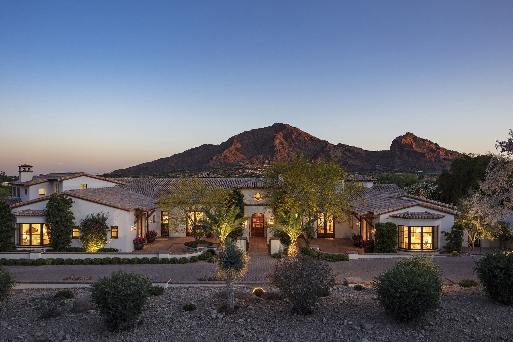Single Family Homes por un Venta en Club Estates 5607 East Joshua Tree Lane Paradise Valley, Arizona 85253 Estados Unidos