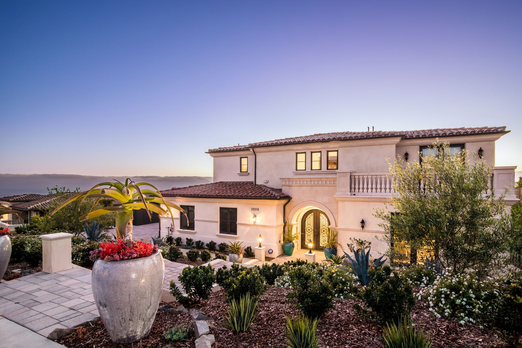 Single Family Homes for Sale at 32015 Cape Point Drive, Rancho Palos Verdes, CA 90275 32015 Cape Point Drive Rancho Palos Verdes, California 90275 United States
