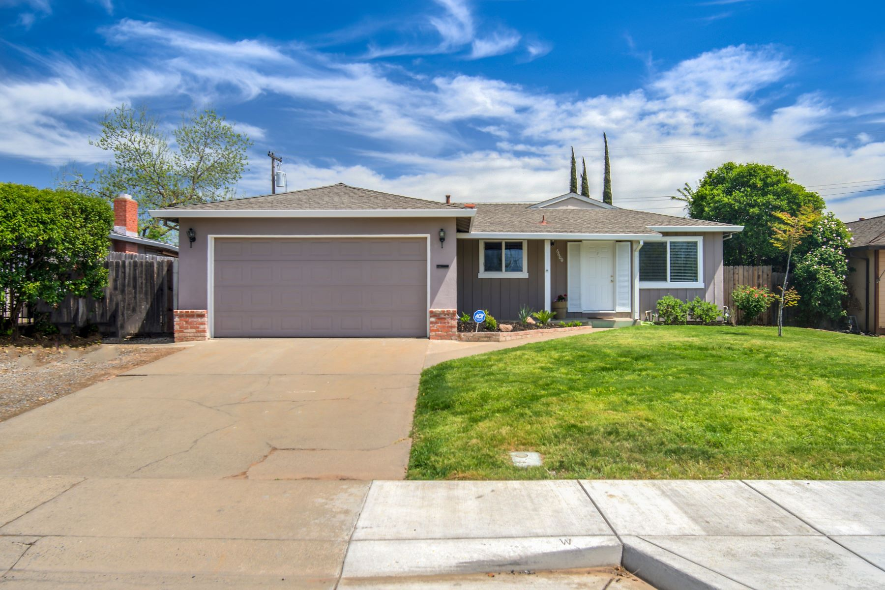 Single Family Homes for Active at 6600 Halifax Street, Citrus Heights, CA 95621 6600 Halifax Street Citrus Heights, California 95621 United States