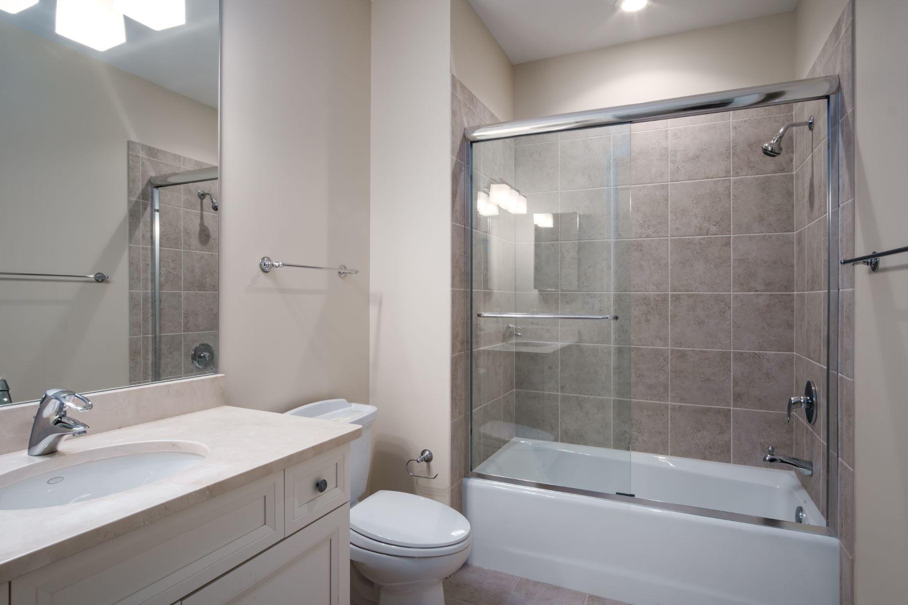 Additional photo for property listing at 8025 Maryland Avenue 13E Clayton, Missouri 63105 United States