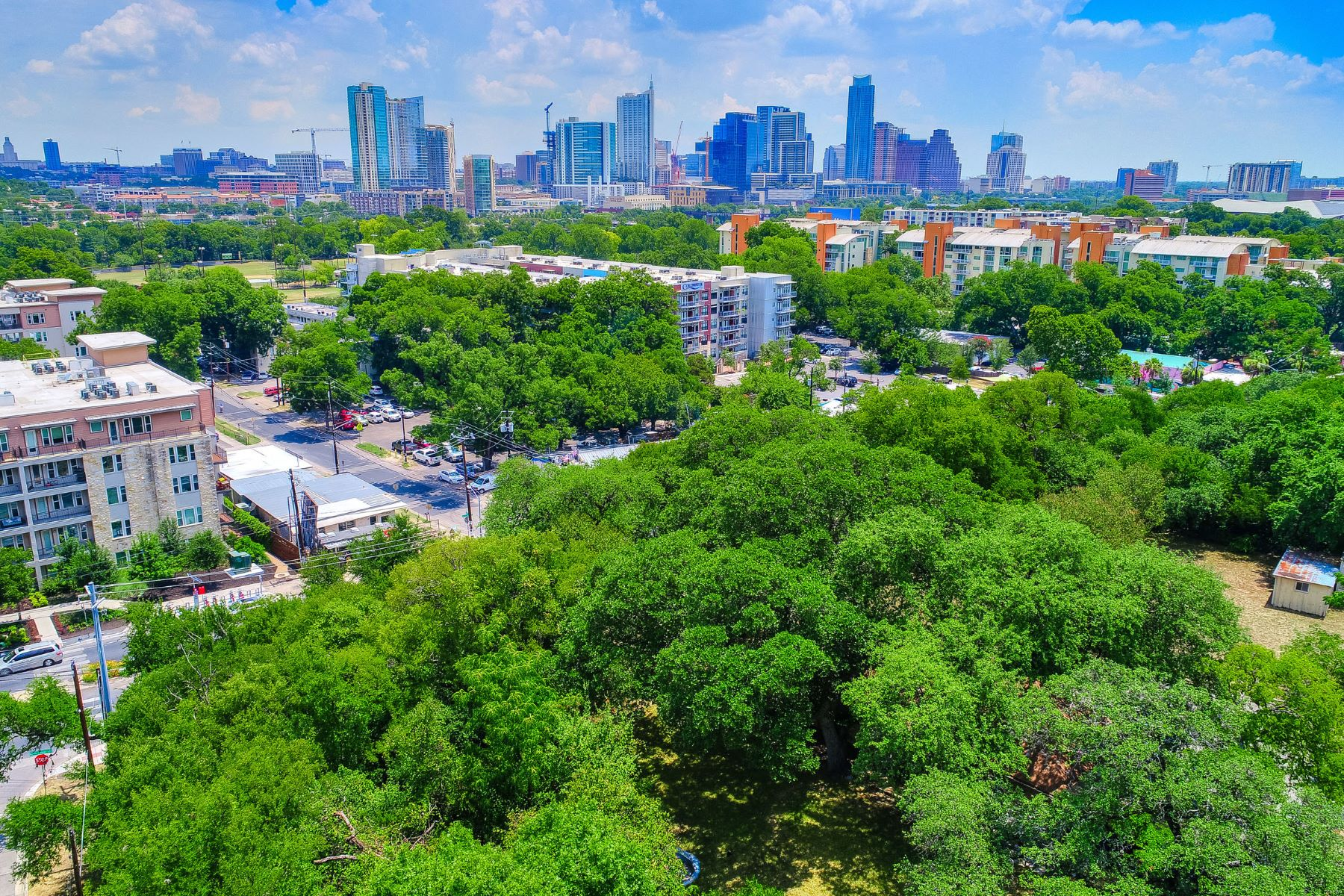Additional photo for property listing at Austin's Most Spectacular Land Opportunity 511 Barton Blvd Austin, Texas 78704 Estados Unidos