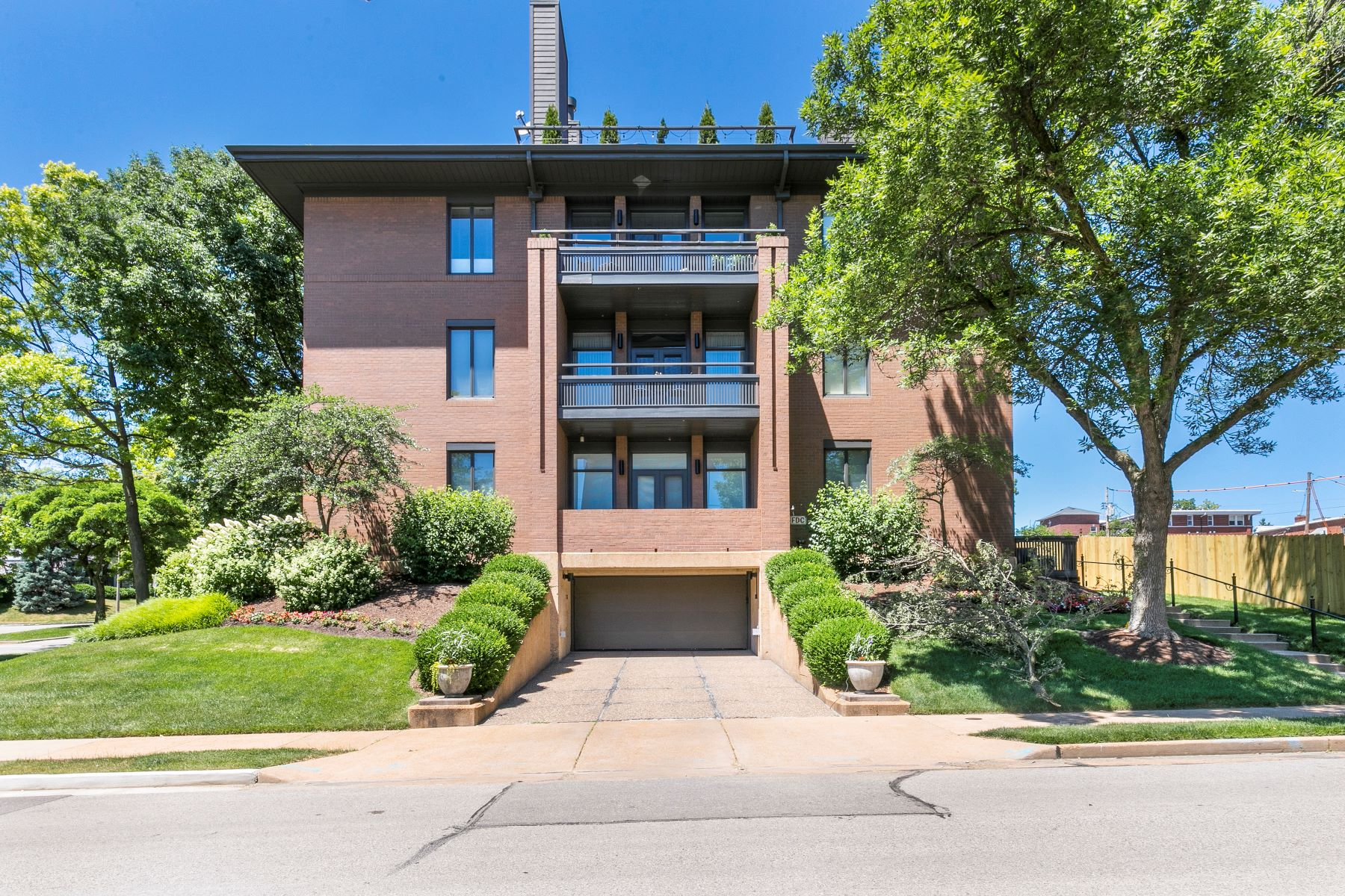Property for Sale at Breathtaking Clayton Condo 202 North Brentwood Boulevard #1C Clayton, Missouri 63105 United States