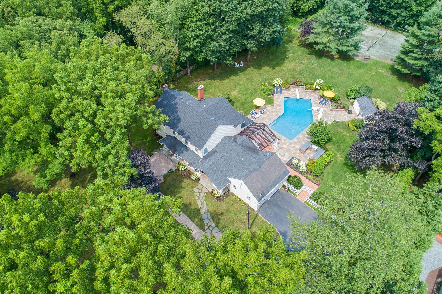 Single Family Homes 為 出售 在 Cold Spring Hrbr 105 Lawrence Hill, Cold Spring Harbor, 纽约 11724 美國