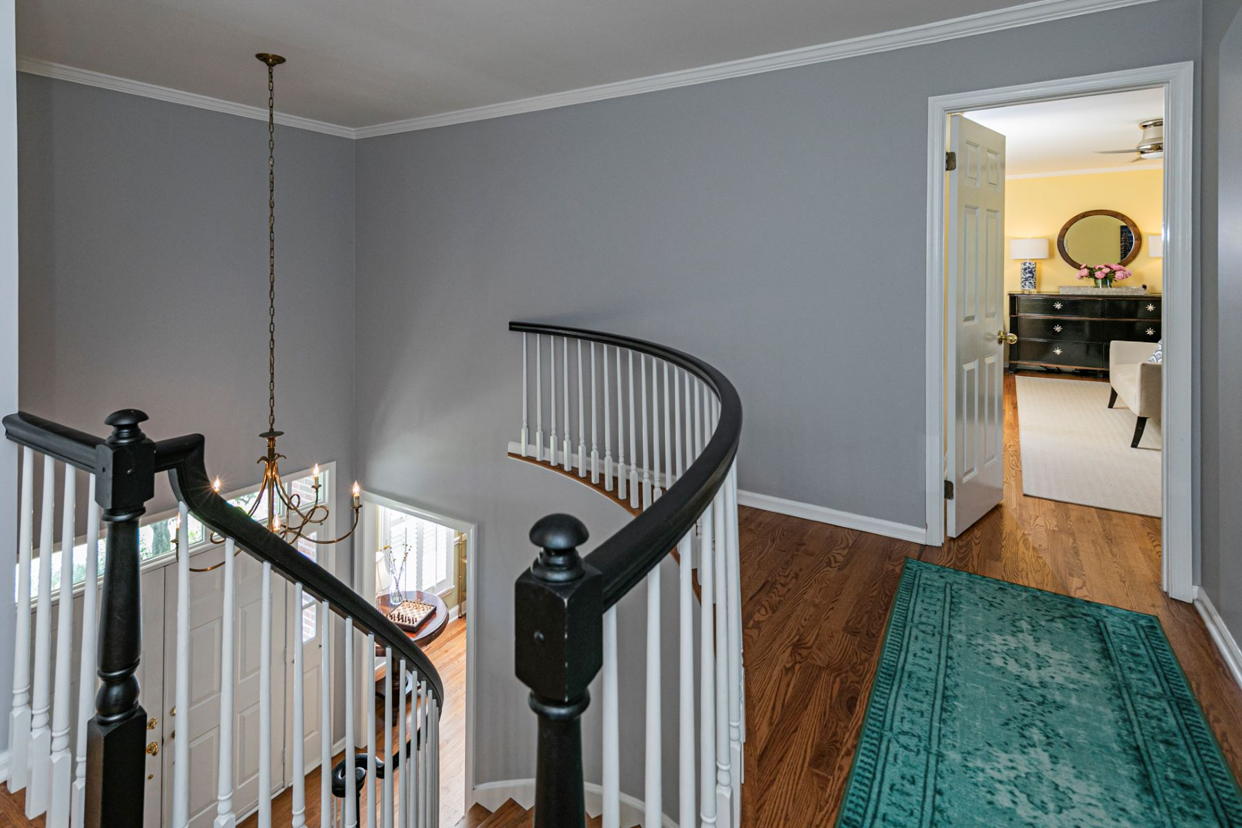 Additional photo for property listing at A Fresh Modernity Brought to Timeless Colonial 2 Old Bridle Path, Lawrenceville, New Jersey 08648 United States