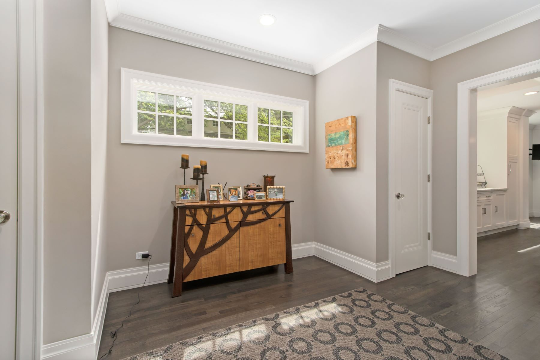 Additional photo for property listing at Extradorinary Evanston Home! 2950 Payne Street Evanston, Illinois 60201 United States