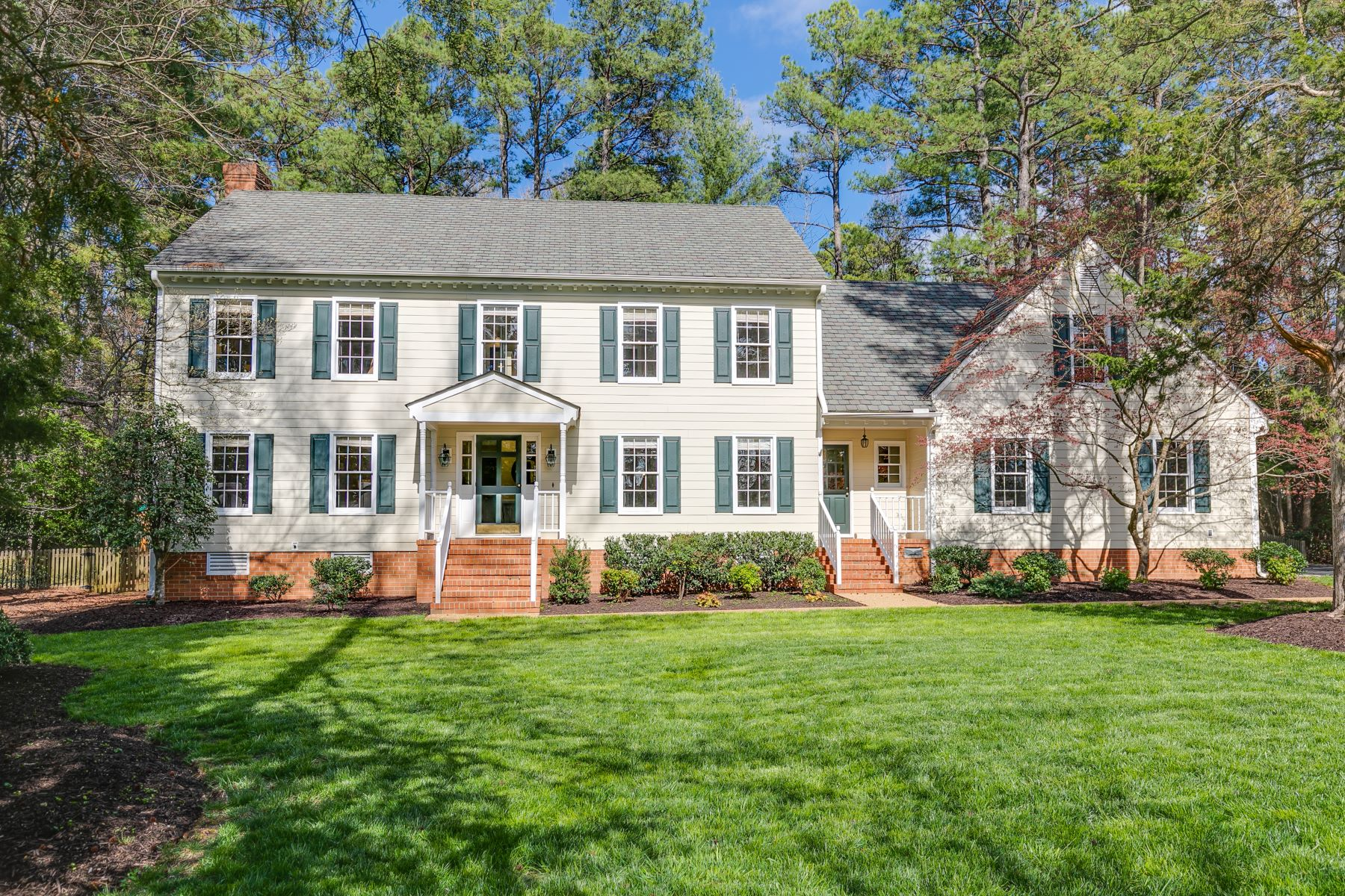 Single Family Homes 為 出售 在 9610 Carterwood Road, Richmond, VA 23229 Richmond, 弗吉尼亞州 23229 美國