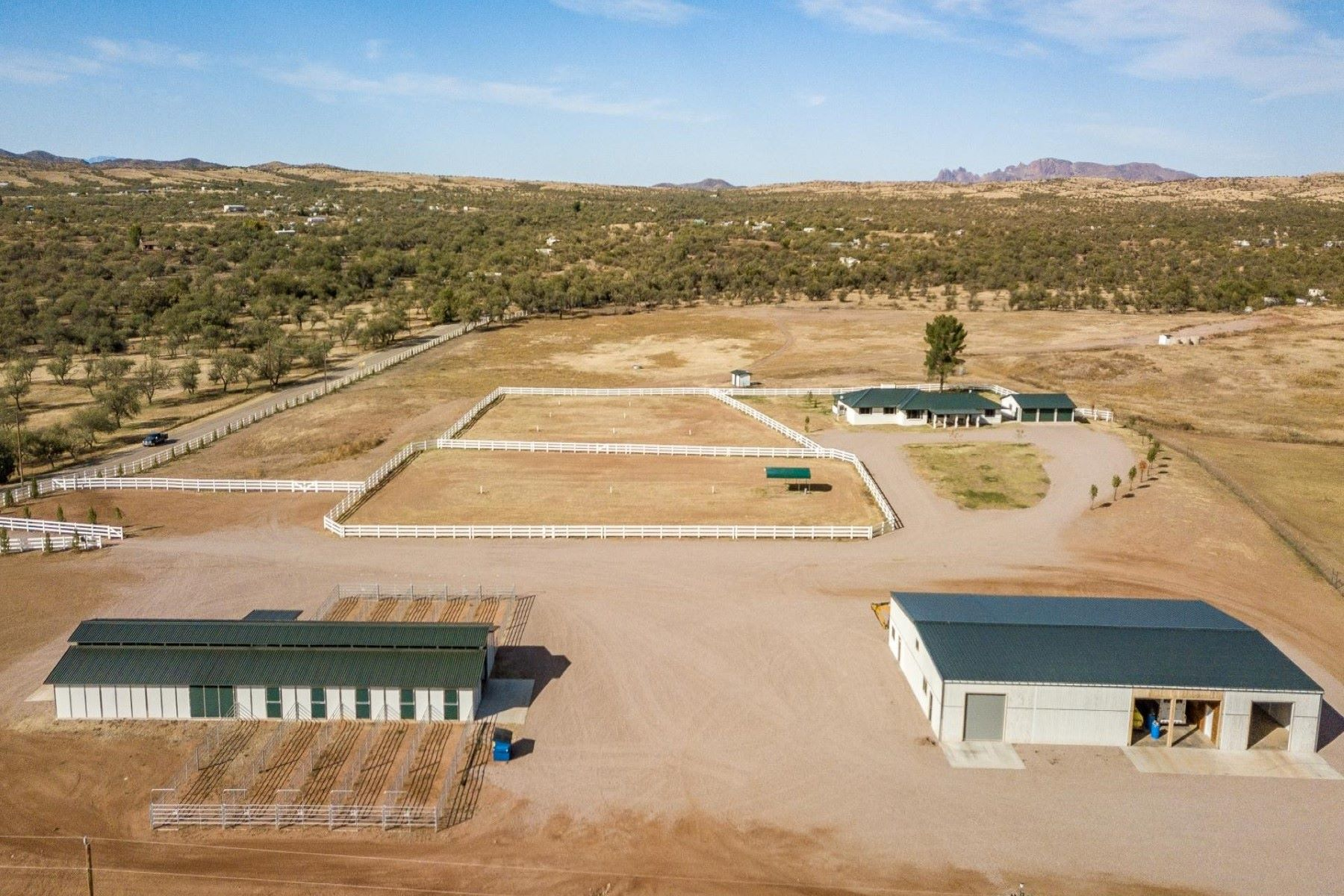 Other Residential Homes 为 销售 在 36645 Arivaca Ranch, Arivaca, AZ 85601 36645 Arivaca Ranch Arivaca, 亚利桑那州 85601 美国