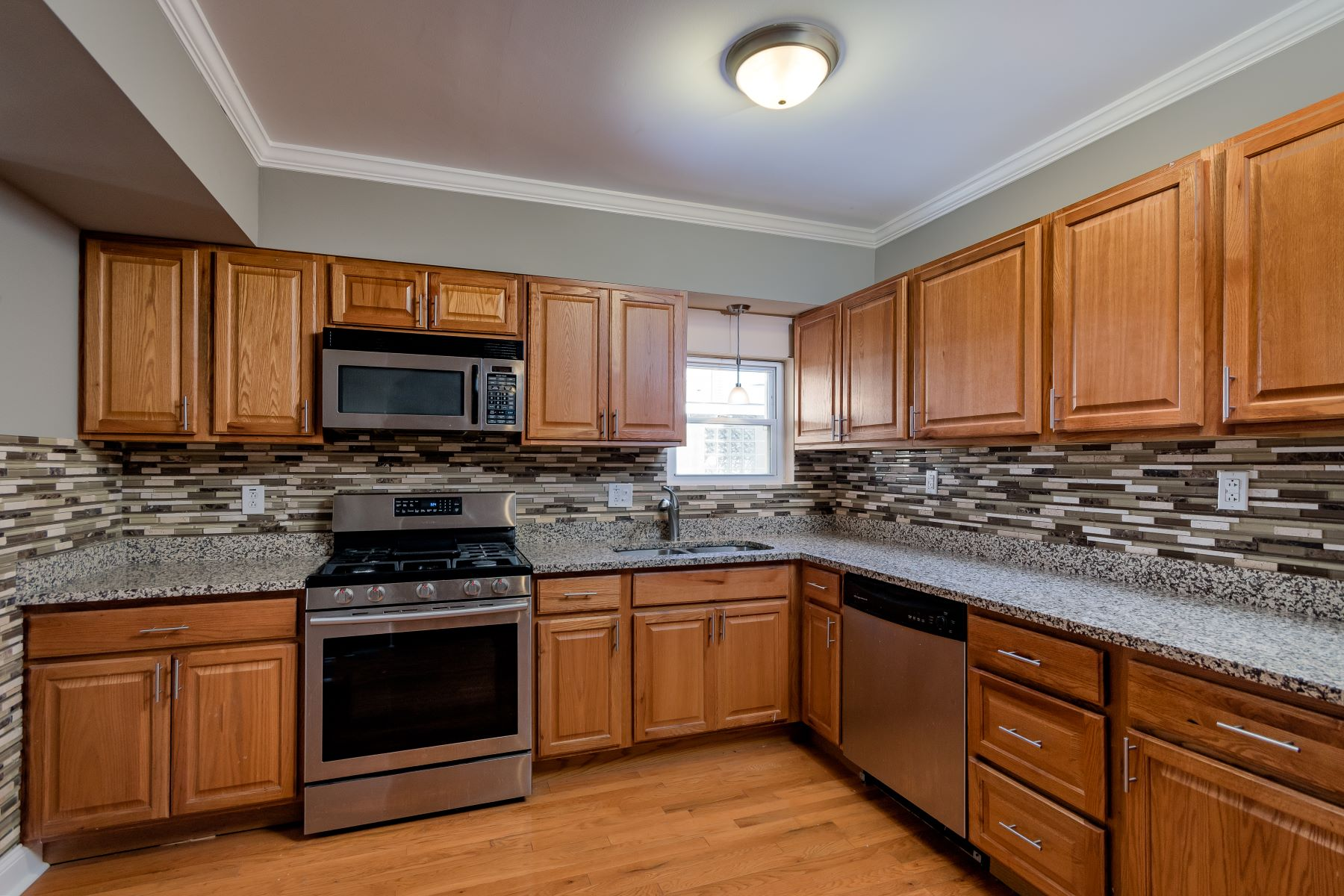 Additional photo for property listing at Beautiful Affton Ranch 9031 Consul Avenue Affton, Missouri 63123 United States