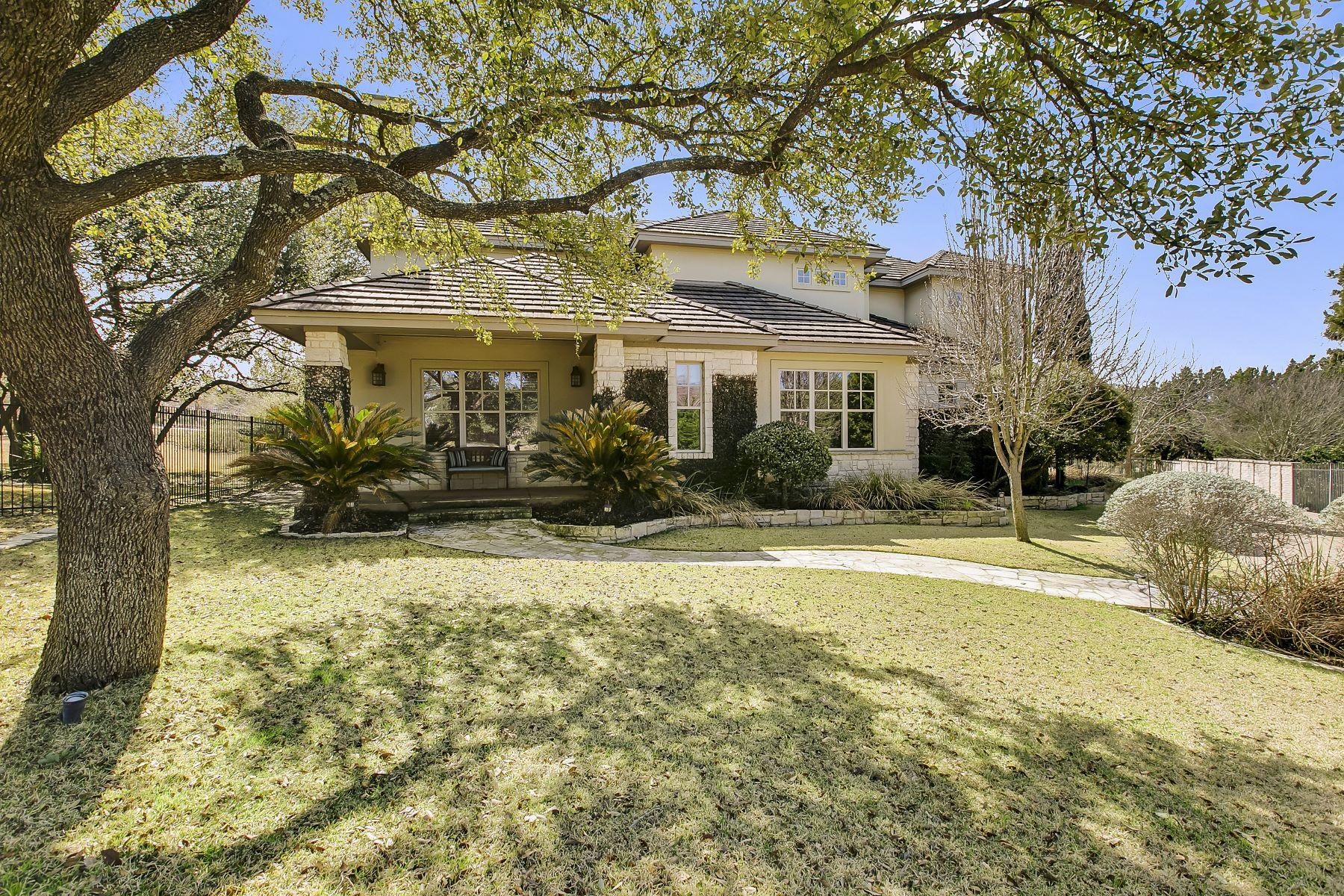 واحد منزل الأسرة للـ Sale في Built for Entertainment and Privacy 8 Torrington Court, The Hills, Texas, 78738 United States