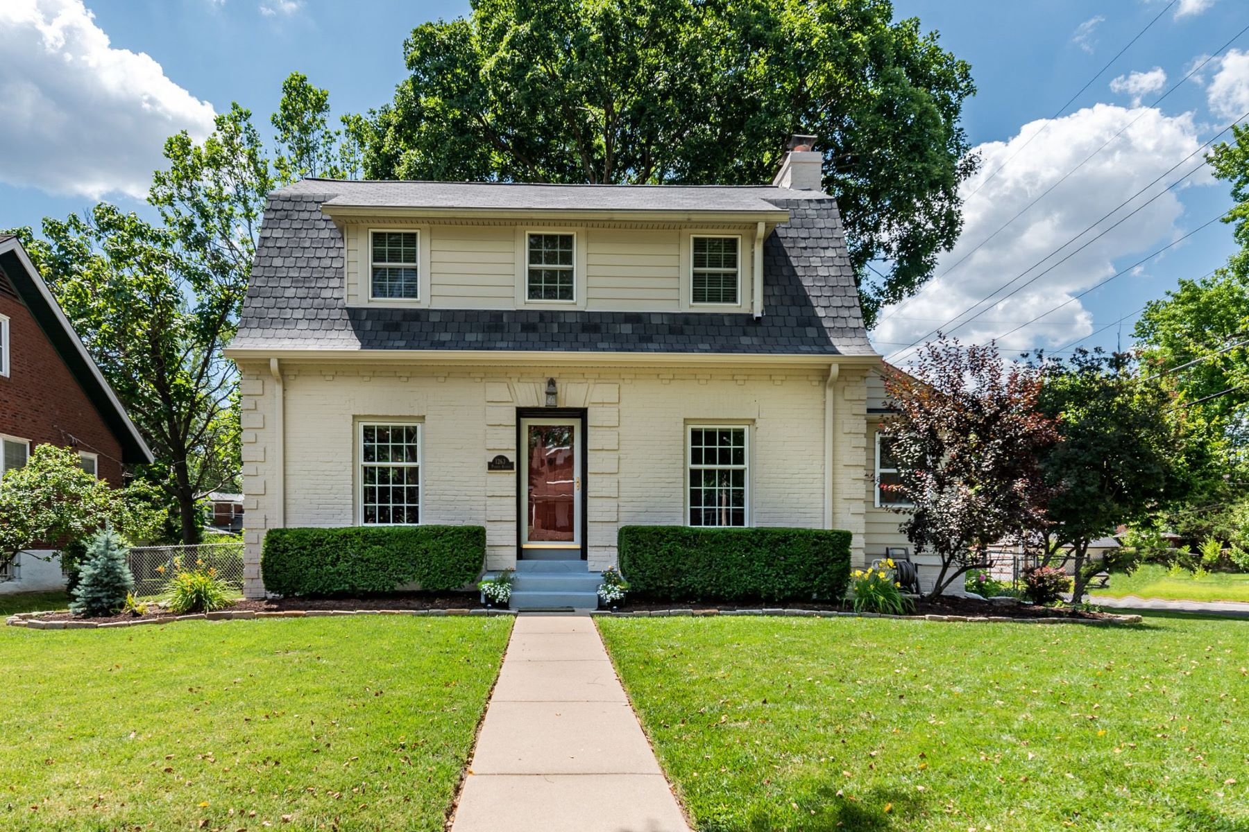 Single Family Homes for Sale at Conveniently Located University City Home 1263 Purdue Avenue University City, Missouri 63130 United States