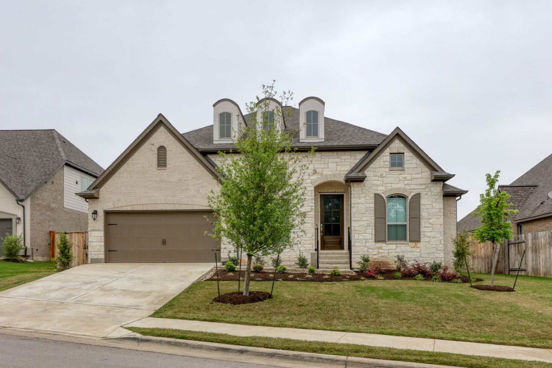 Single Family Homes for Sale at 2004 Rabbit Creek Drive, Georgetown, TX 78626 2004 Rabbit Creek Drive Georgetown, Texas 78626 United States