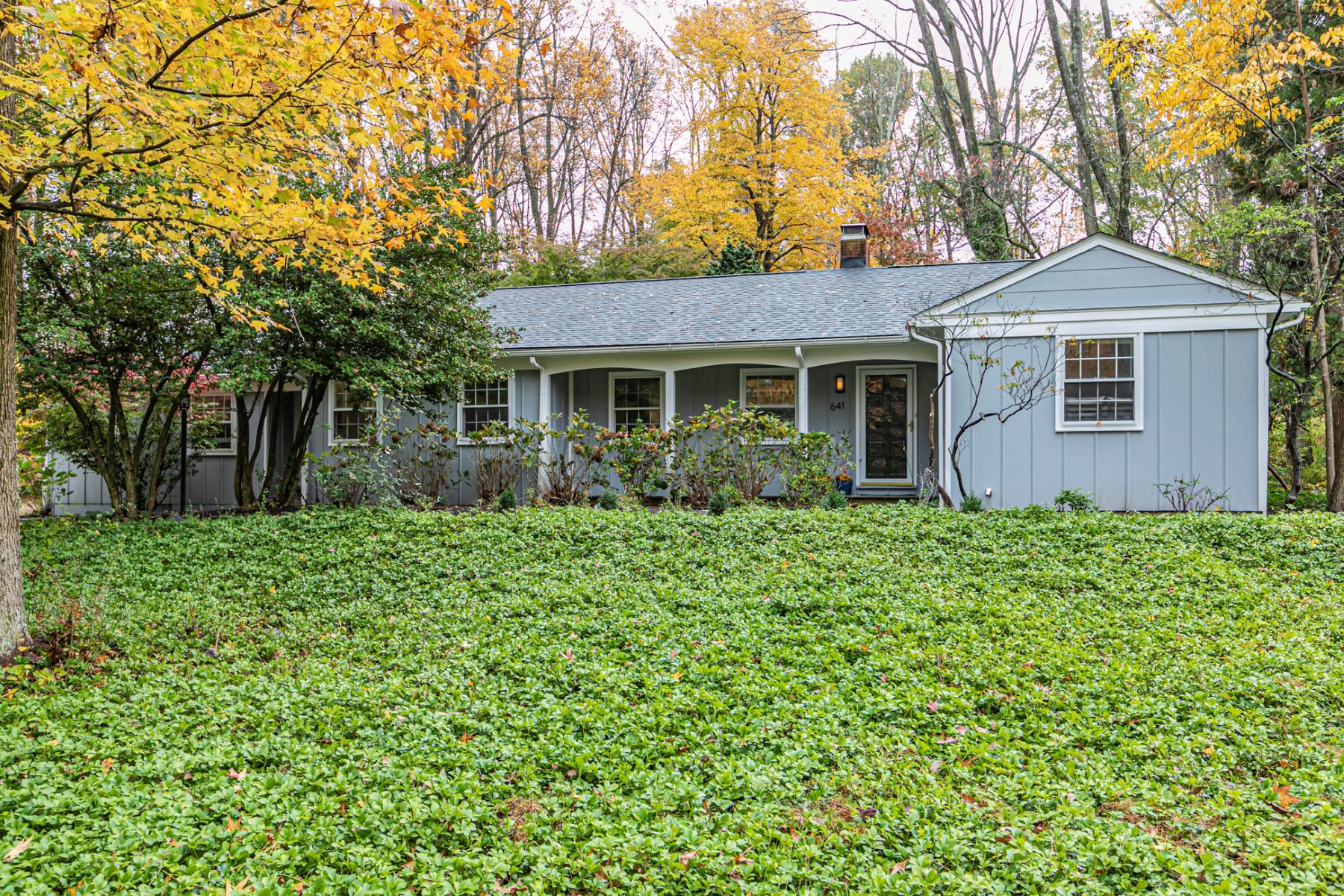 Single Family Homes for Sale at Feel-Good Home with Loads of Upgrades 641 Mount Lucas Road, Princeton, New Jersey 08540 United States