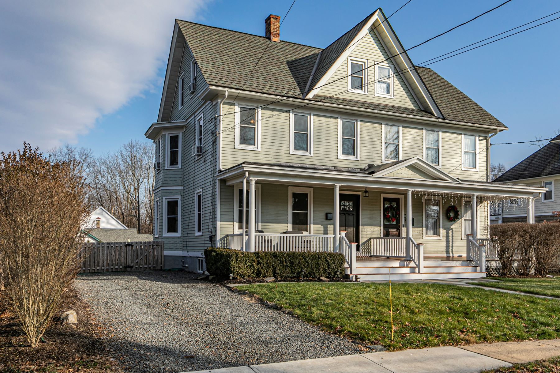 Duplex Homes por un Venta en Charming Victorian-Style Twin With Stylish Finishes 211 North Main Street Pennington, Nueva Jersey 08534 Estados Unidos
