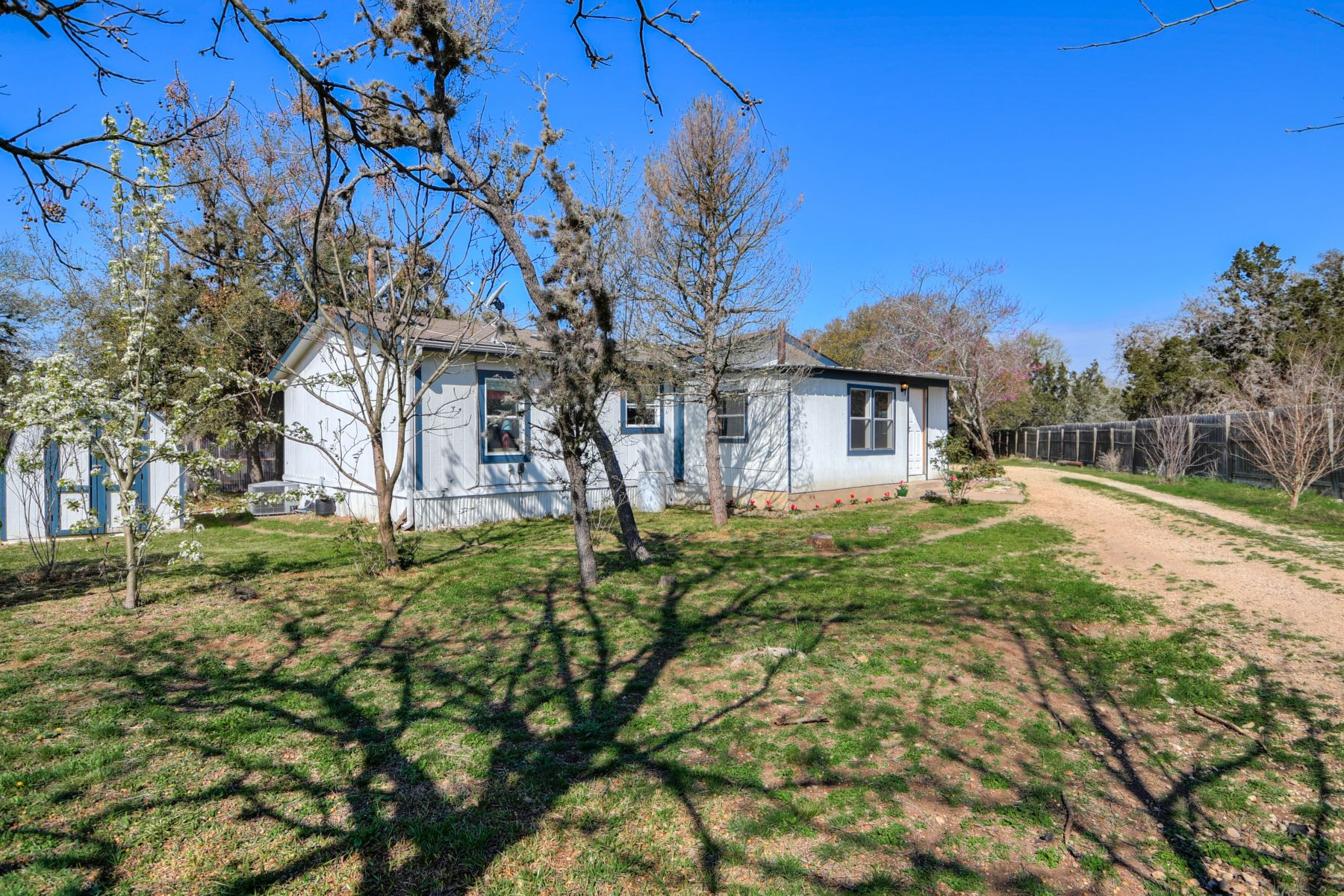 Single Family Home for Sale at 206 Friendship Drive, Comfort, TX 78013 206 Friendship Drive Comfort, Texas 78013 United States