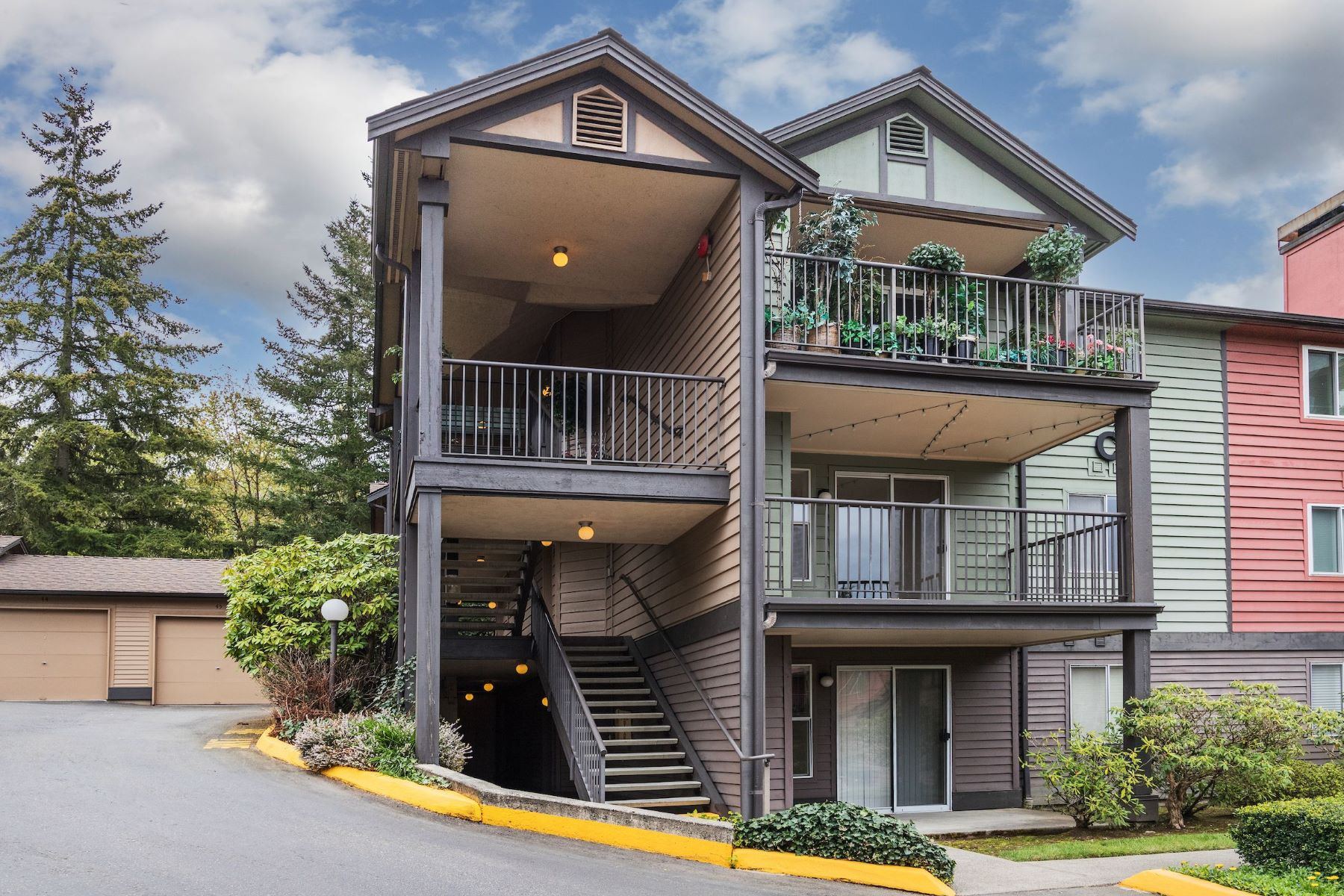 Condominiums for Sale at 13209 Newcastle Wy Unit #C201, Newcastle, WA 98059 Newcastle, Washington 98059 United States