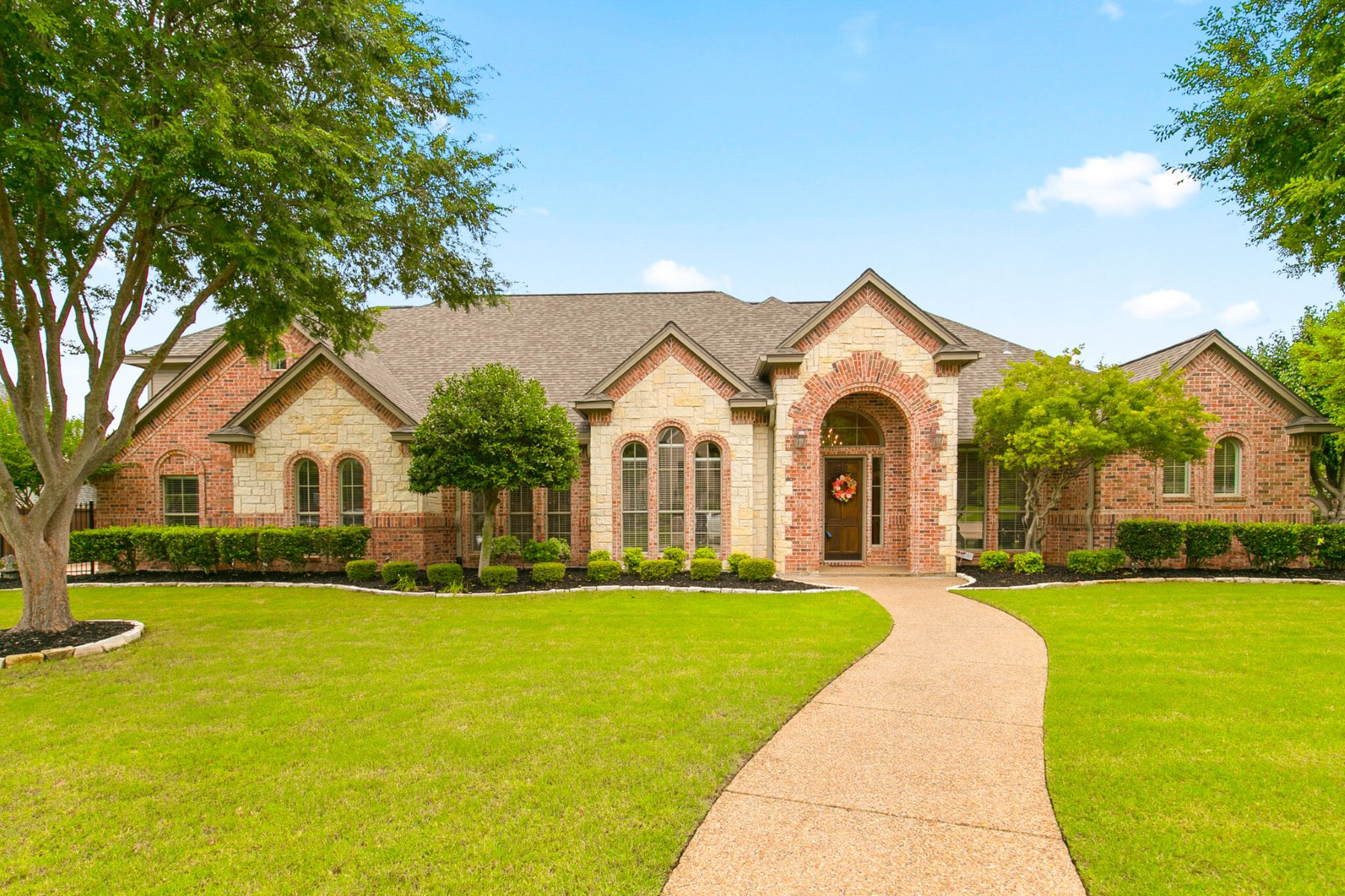 Single Family Homes for Sale at Meticulously Maintained Custom Home In Southlake 2701 York Court Southlake, Texas 76092 United States