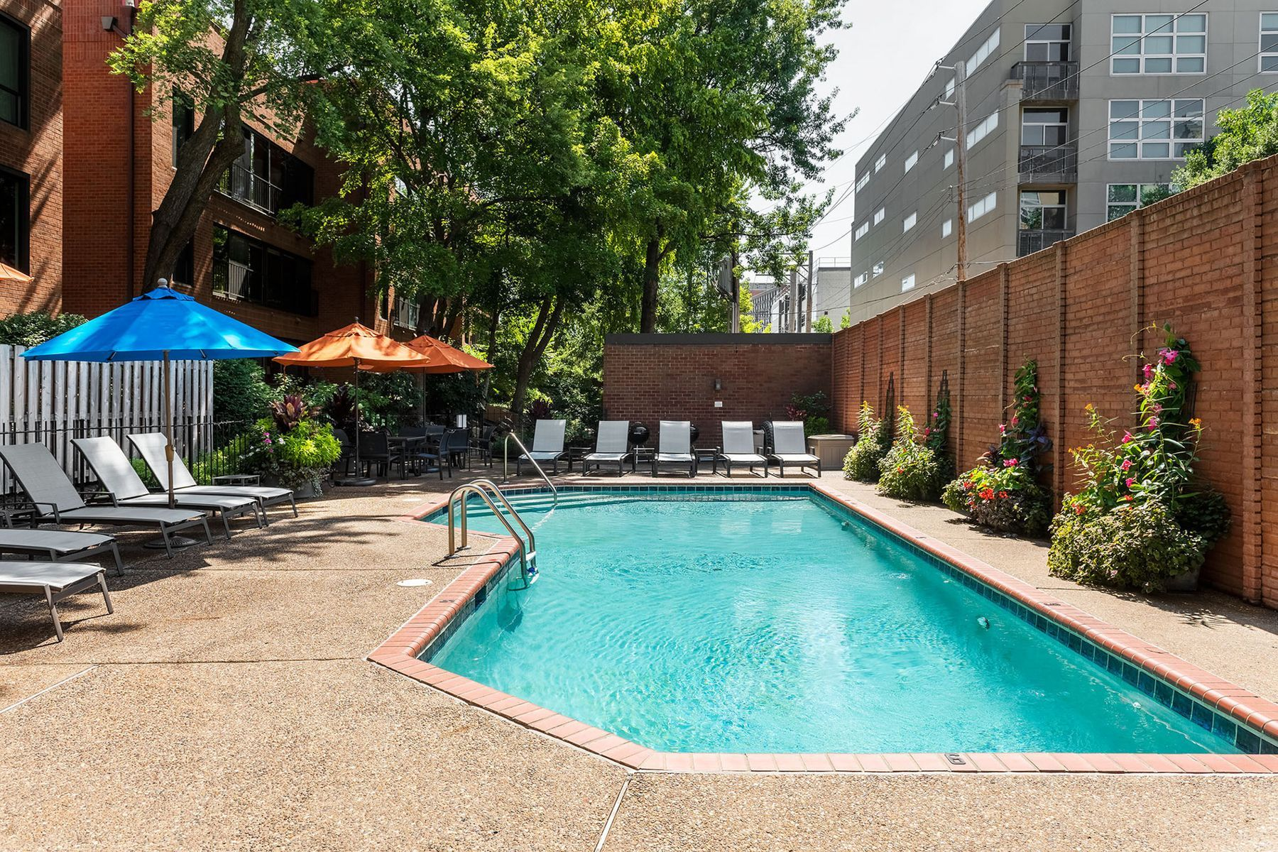 Additional photo for property listing at Wexford Condo 4540 Laclede Avenue 107 St. Louis, Missouri 63108 United States