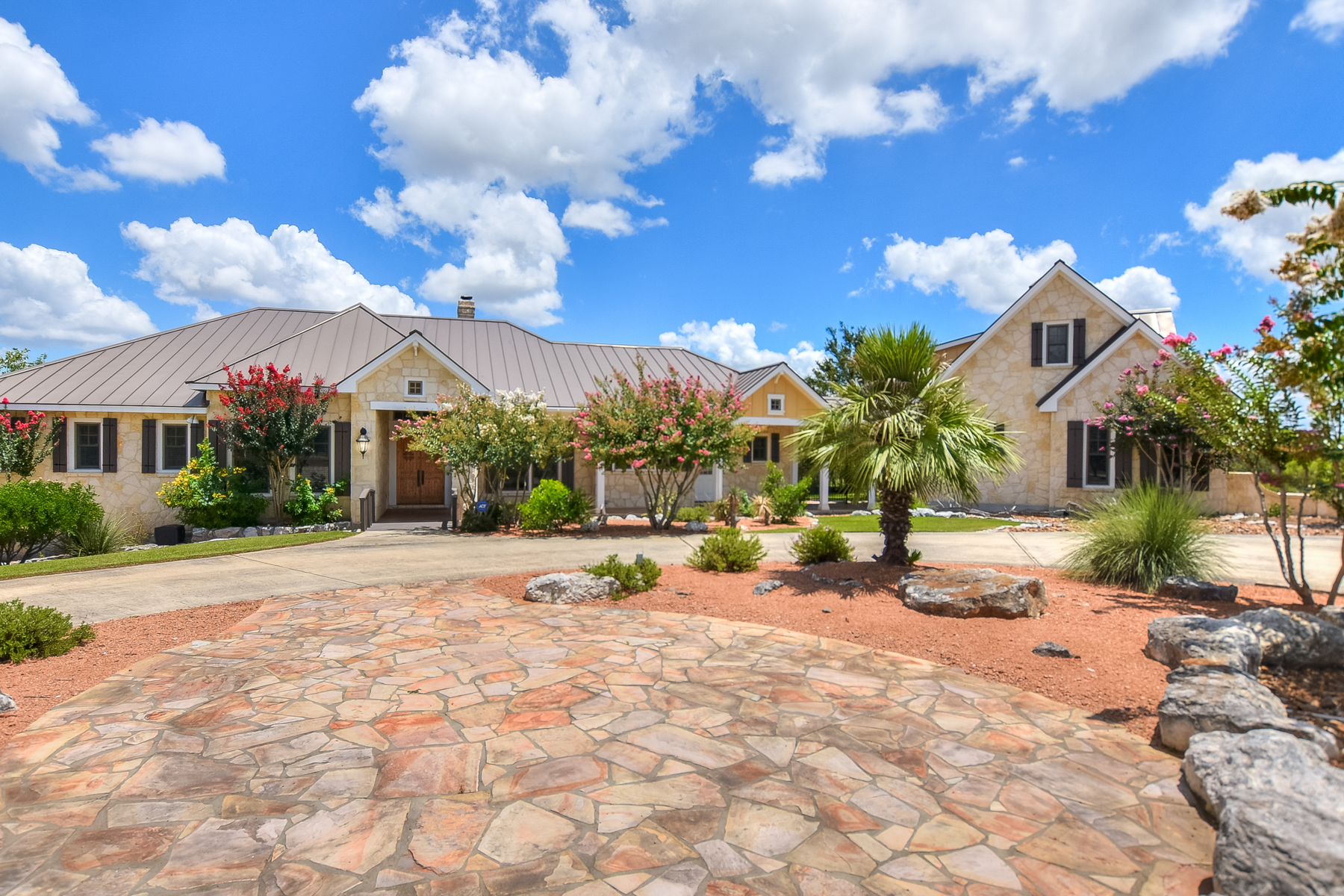 Single Family Home for Sale at Gorgeous Views in Tapatio Springs 125 Paradise Point Dr Boerne, Texas 78006 United States