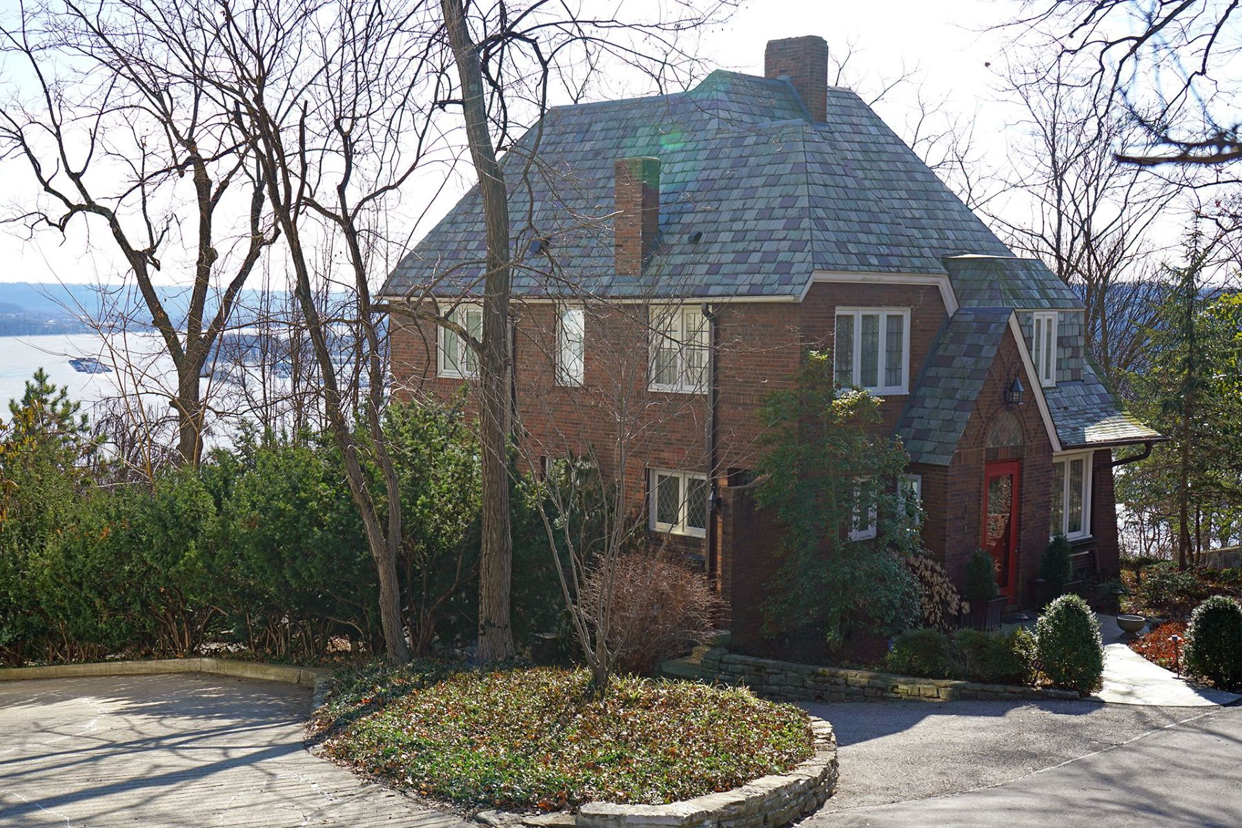 Single Family Homes por un Venta en 1771 East McMillan Street, Cincinnati, OH 45206 1771 East McMillan Street Cincinnati, Ohio 45206 Estados Unidos