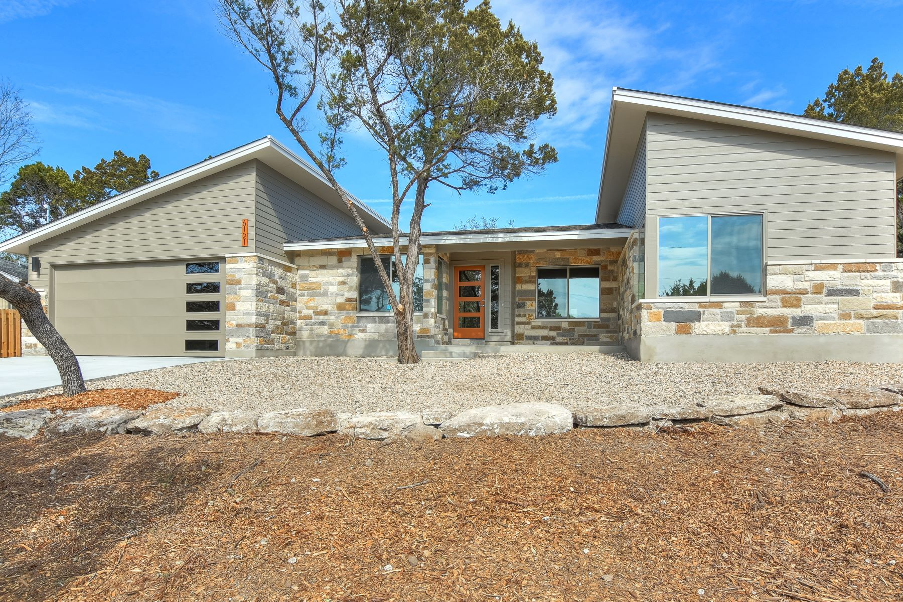 Single Family Home for Sale at Sophisticated Mid-Century Modern 6121 Cimmaron Trail, Lago Vista, Texas, 78645 United States